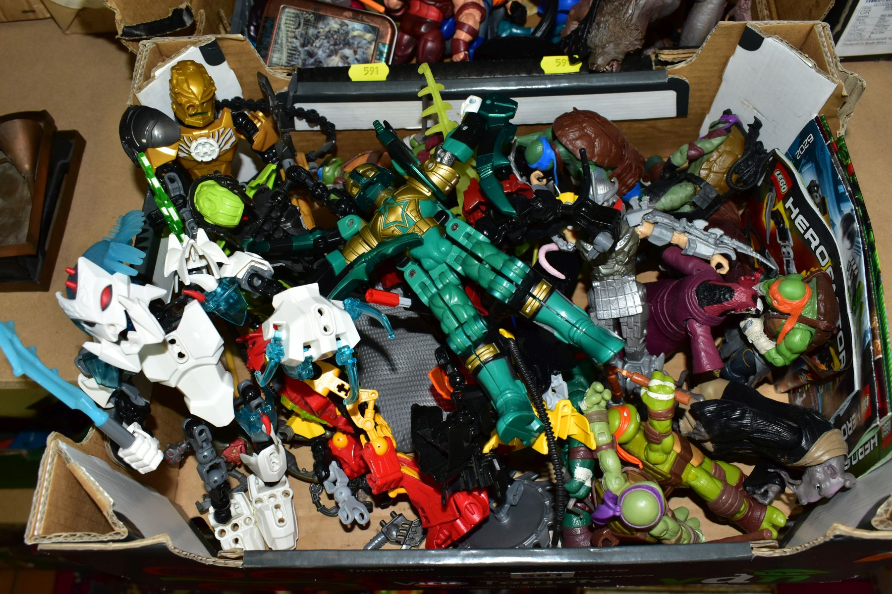 A QUANTITY OF ASSORTED MODERN ACTION FIGURES, to include Spiderman, Teenage Mutant Turtles, - Image 2 of 3
