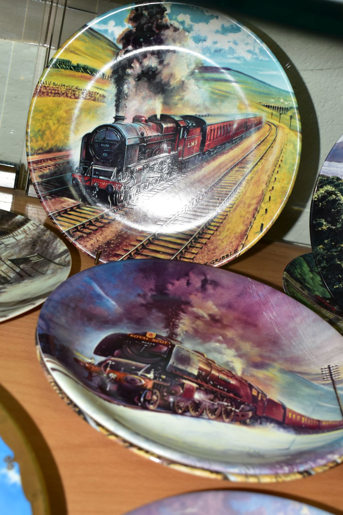 TWELVE BOXED LOCOMOTIVE THEMED COLLECTORS PLATES, comprising a set of eight Davenport Great Steam - Image 3 of 5