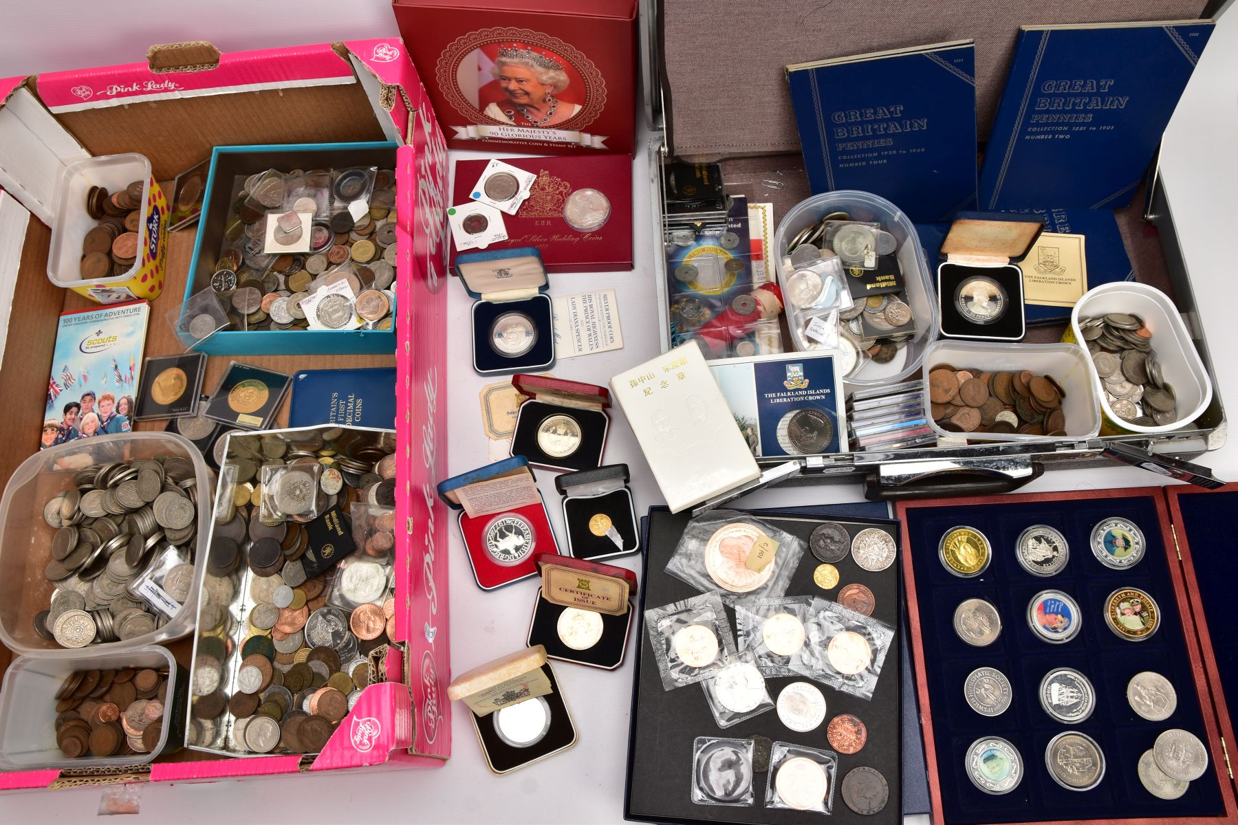 A SAMSONITE BRIEFCASE OF COINS AND COMMEMORATIVES, to include a Queen Elizabeth 50th Anniversary 9ct