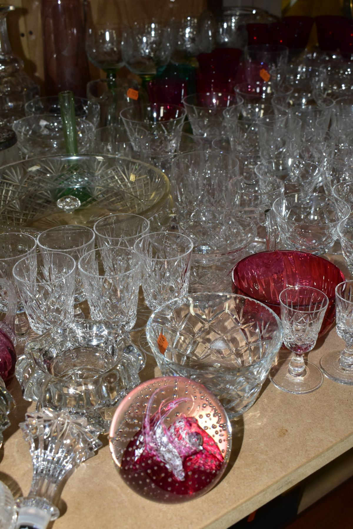 A QUANTITY OF GLASSWARE, including a Waterford Crystal quartz mantel clock, height 11cm, coloured - Image 7 of 9