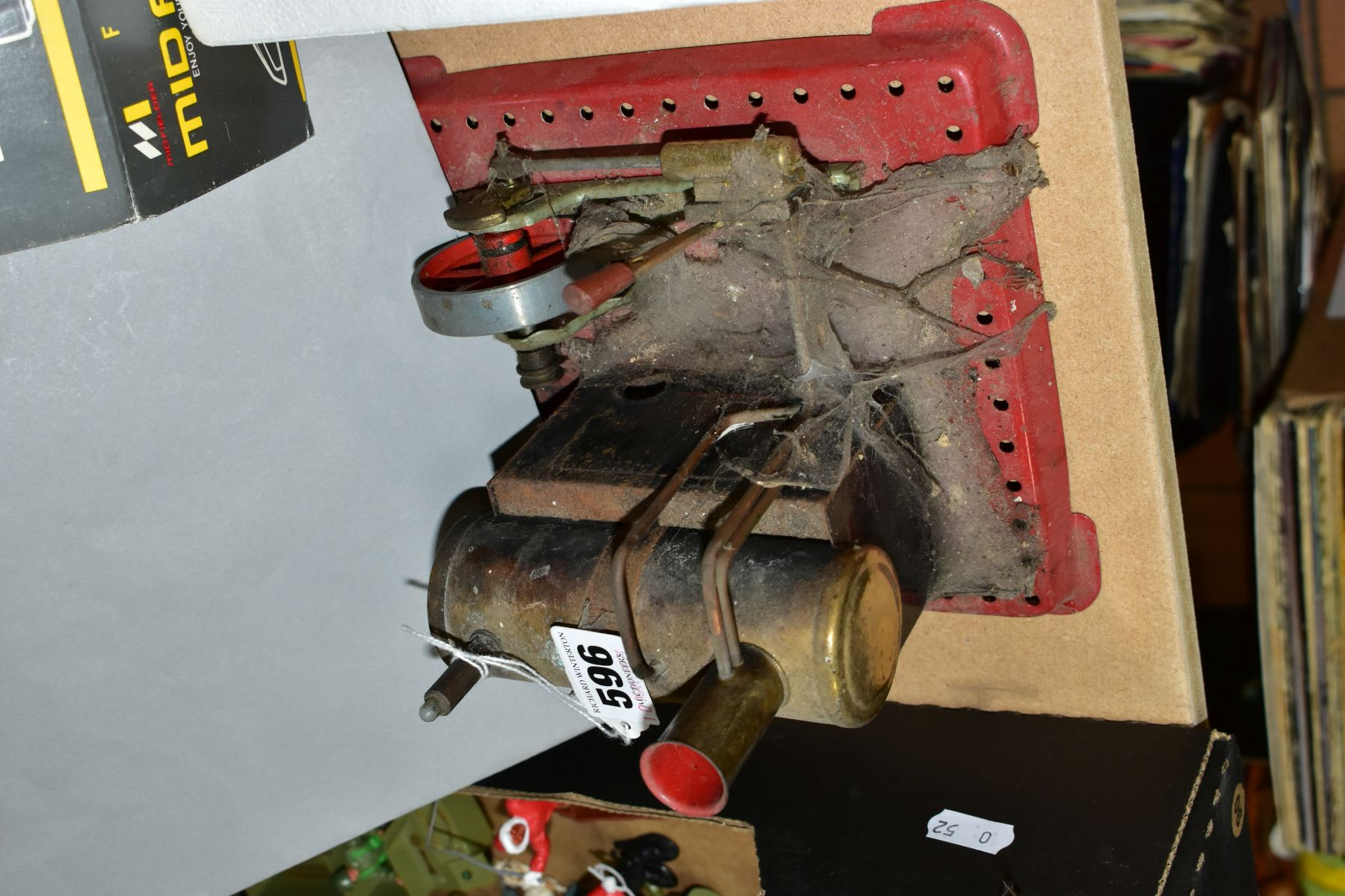 AN UNBOXED MAMOD LIVE STEAM ENGINE, No SE2, not tested, missing safety valve but has burner tray, - Image 5 of 6