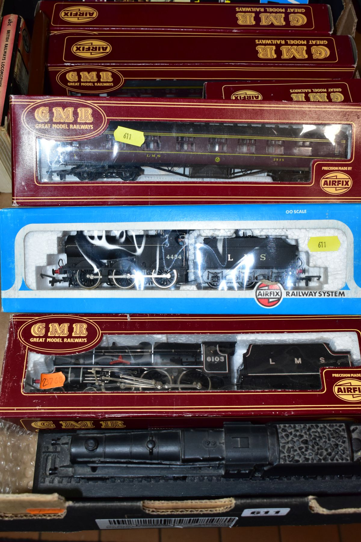 A QUANTITY OF BOXED 00 GAUGE MODEL RAILWAY ITEMS, to include boxed Airfix Class 4F locomotive, No - Image 2 of 3