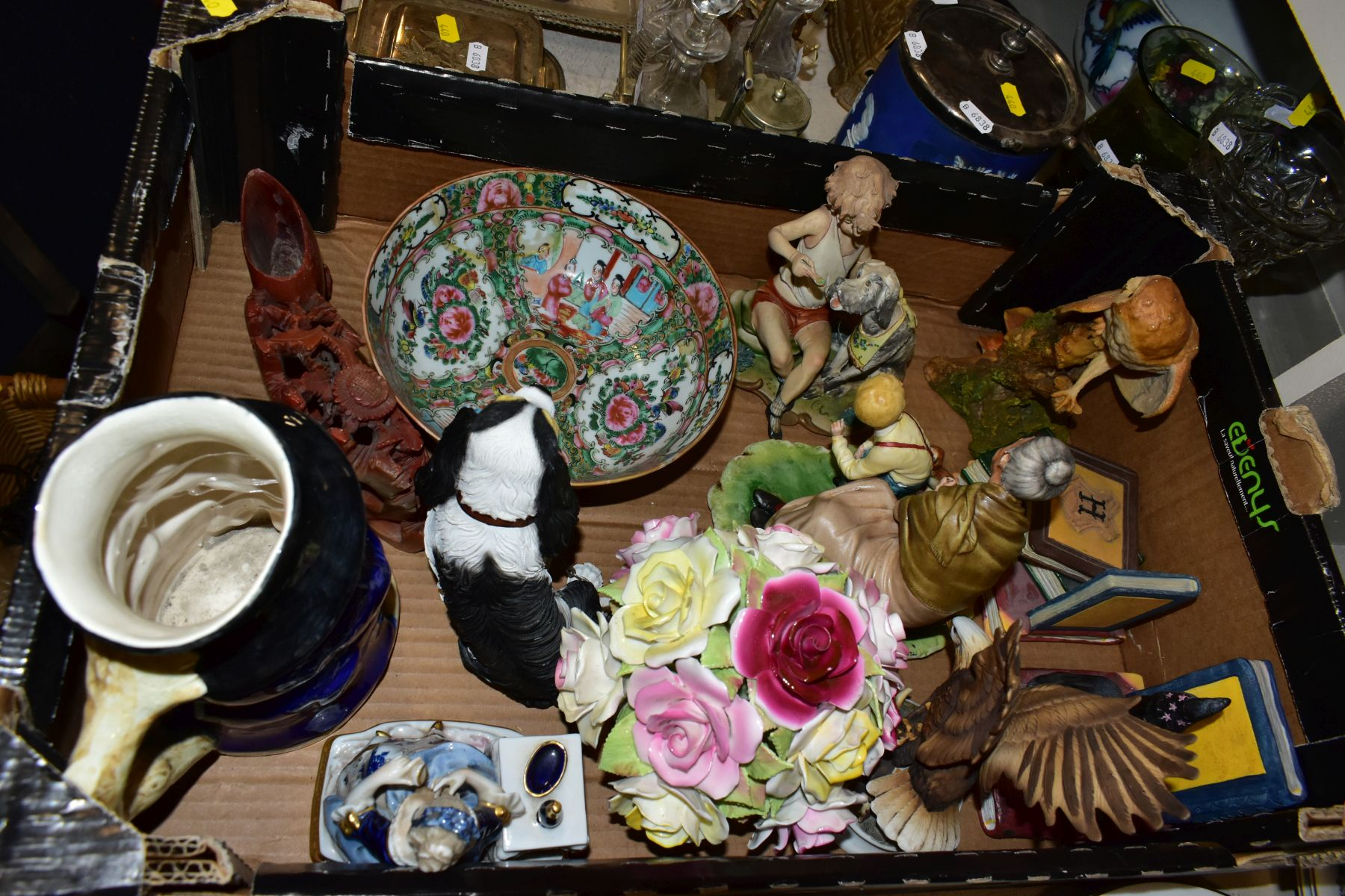 TWO BOXES AND LOOSE OF CERAMICS, GLASS AND METALWARE, including a Chinese Famille rose bowl,(chip - Image 5 of 13