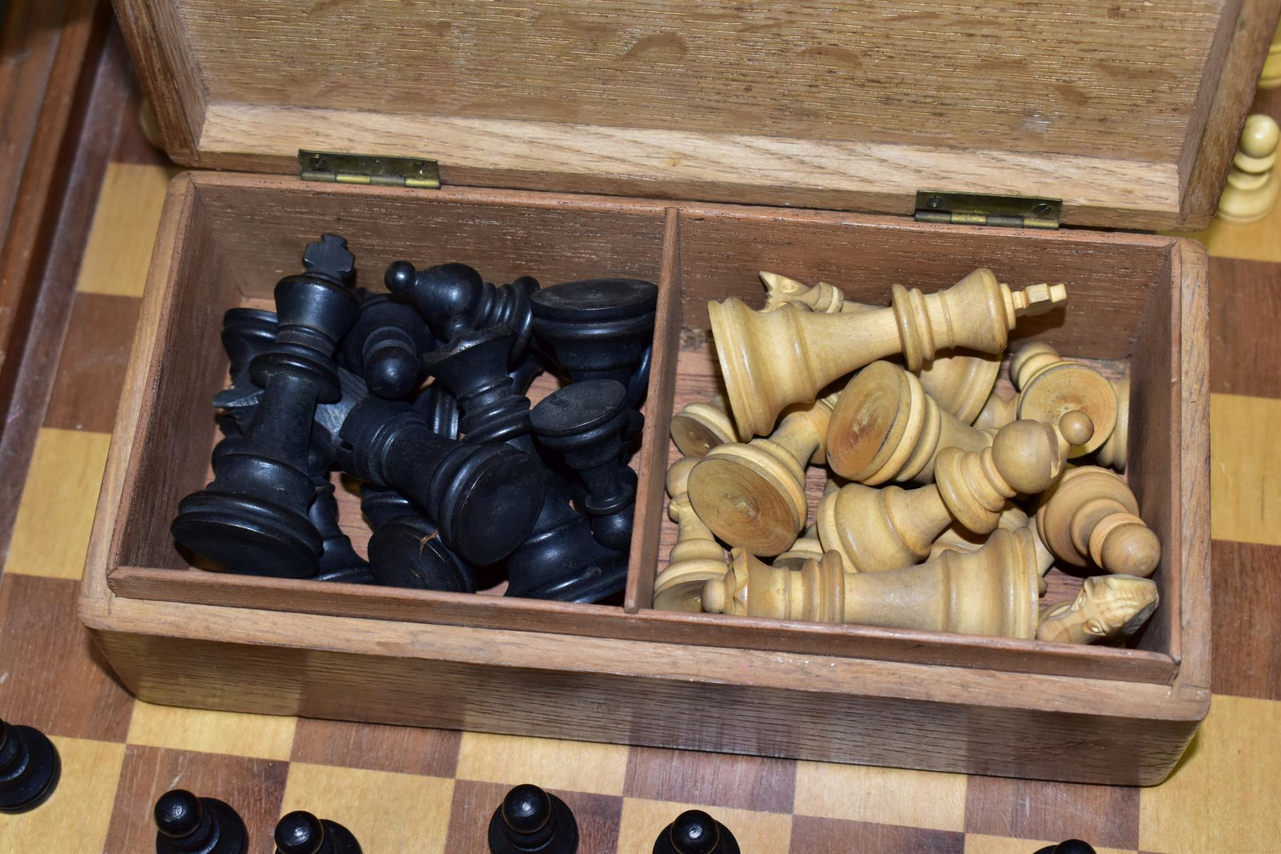 A MID 20TH CENTURY WOODEN CHESS BOARD AND CHESS PIECES, the board with lift off top opening to - Image 3 of 4