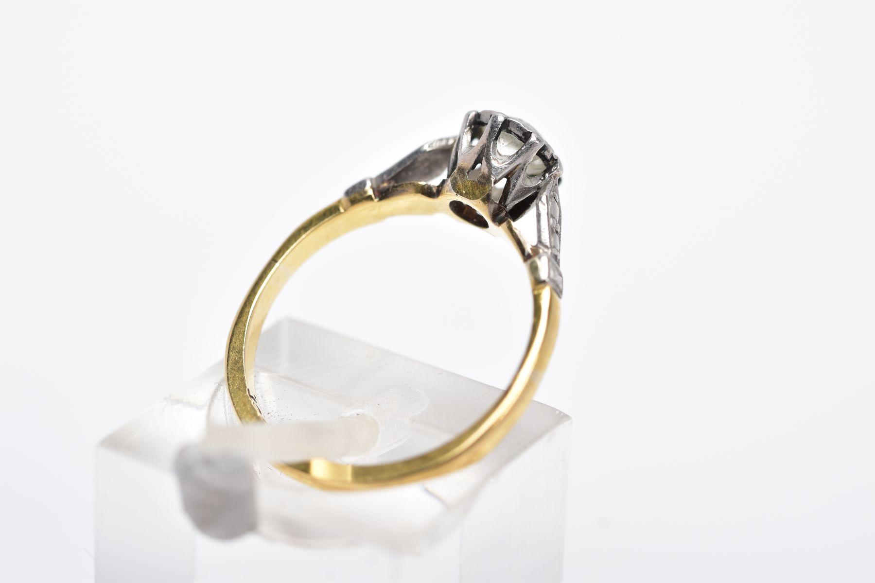 A YELLOW METAL SINGLE STONE DIAMOND RING, collet set, old cut diamonds, total estimated diamond - Image 3 of 4