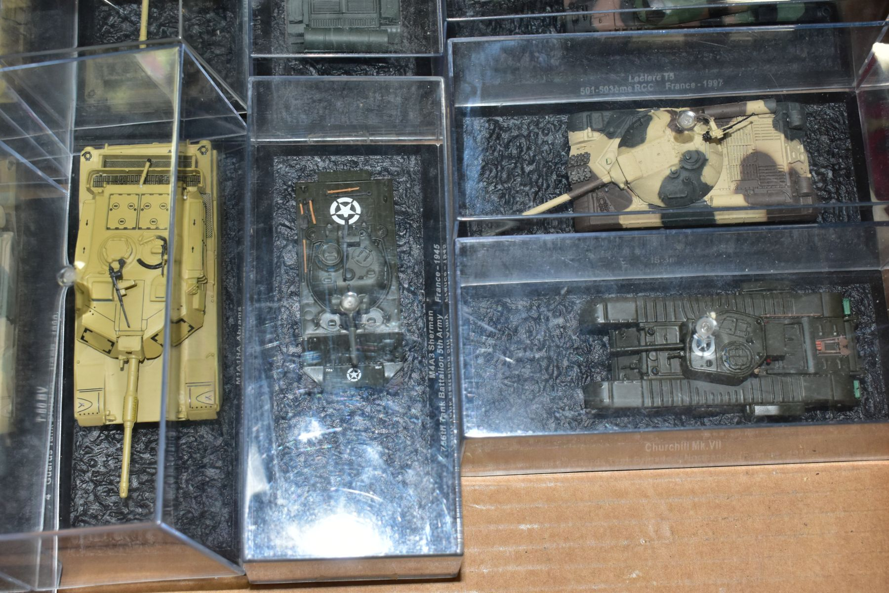 A COLLECTION OF BOXED DEAGOSTINI 1/43 SCALE TANK MODELS, all appear complete and in very good - Image 5 of 5