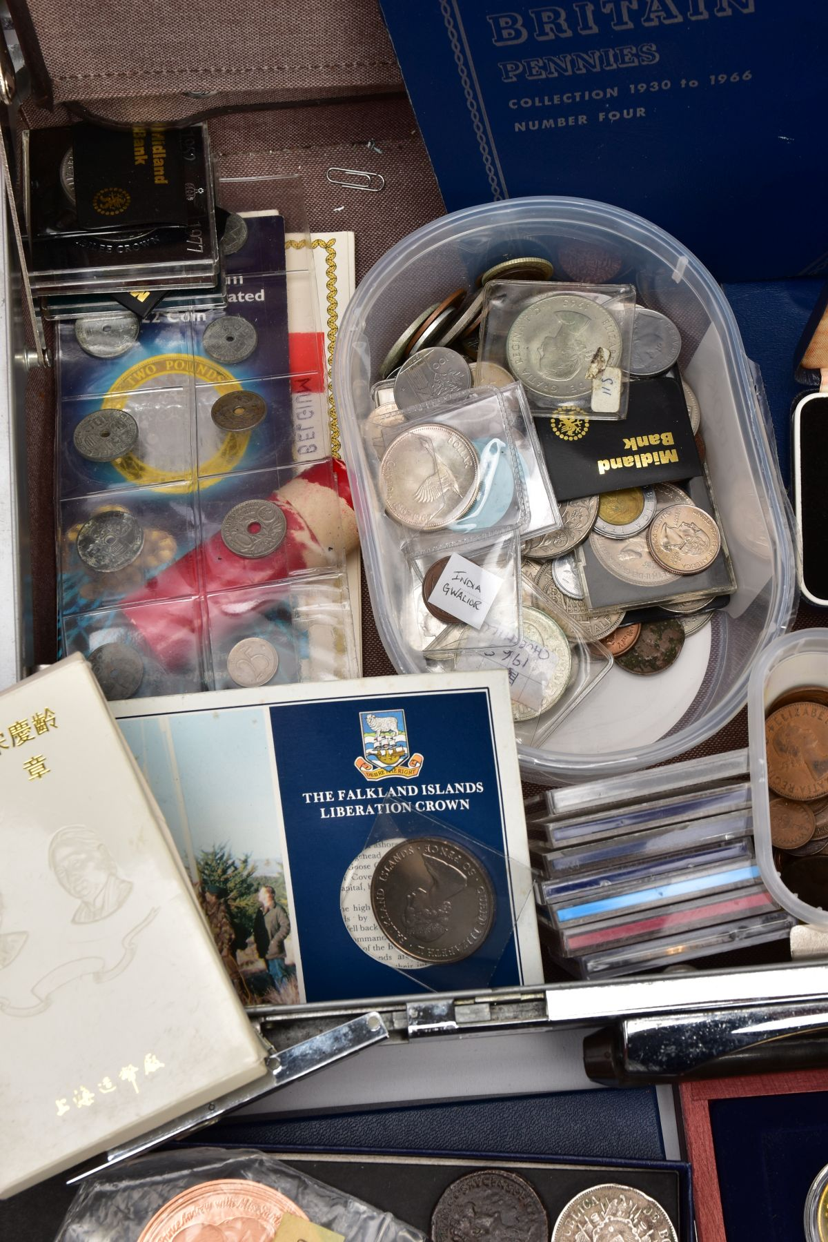 A SAMSONITE BRIEFCASE OF COINS AND COMMEMORATIVES, to include a Queen Elizabeth 50th Anniversary 9ct - Image 4 of 11