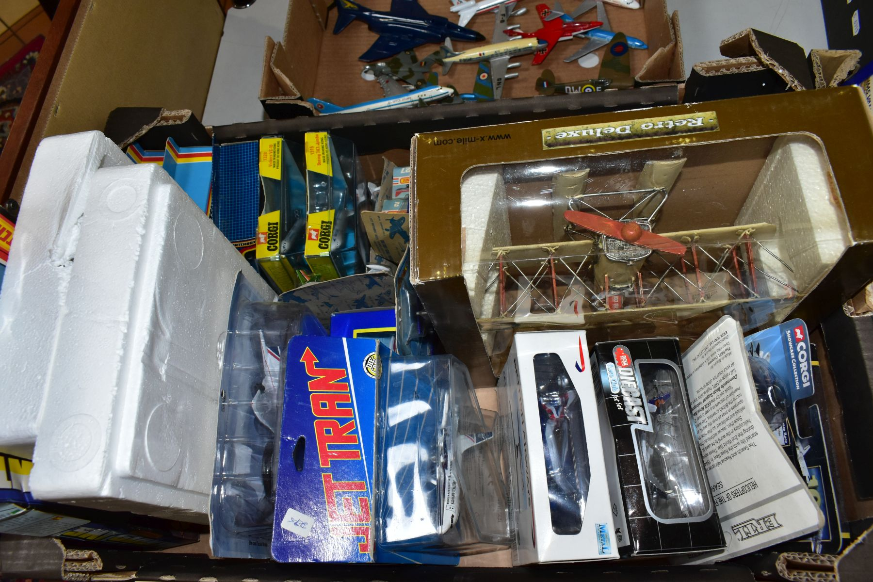 A QUANTITY OF ASSORTED BOXED AND UNBOXED AIRCRAFT MODELS, to include boxed Corgi toys Boeing 747 - Image 3 of 5