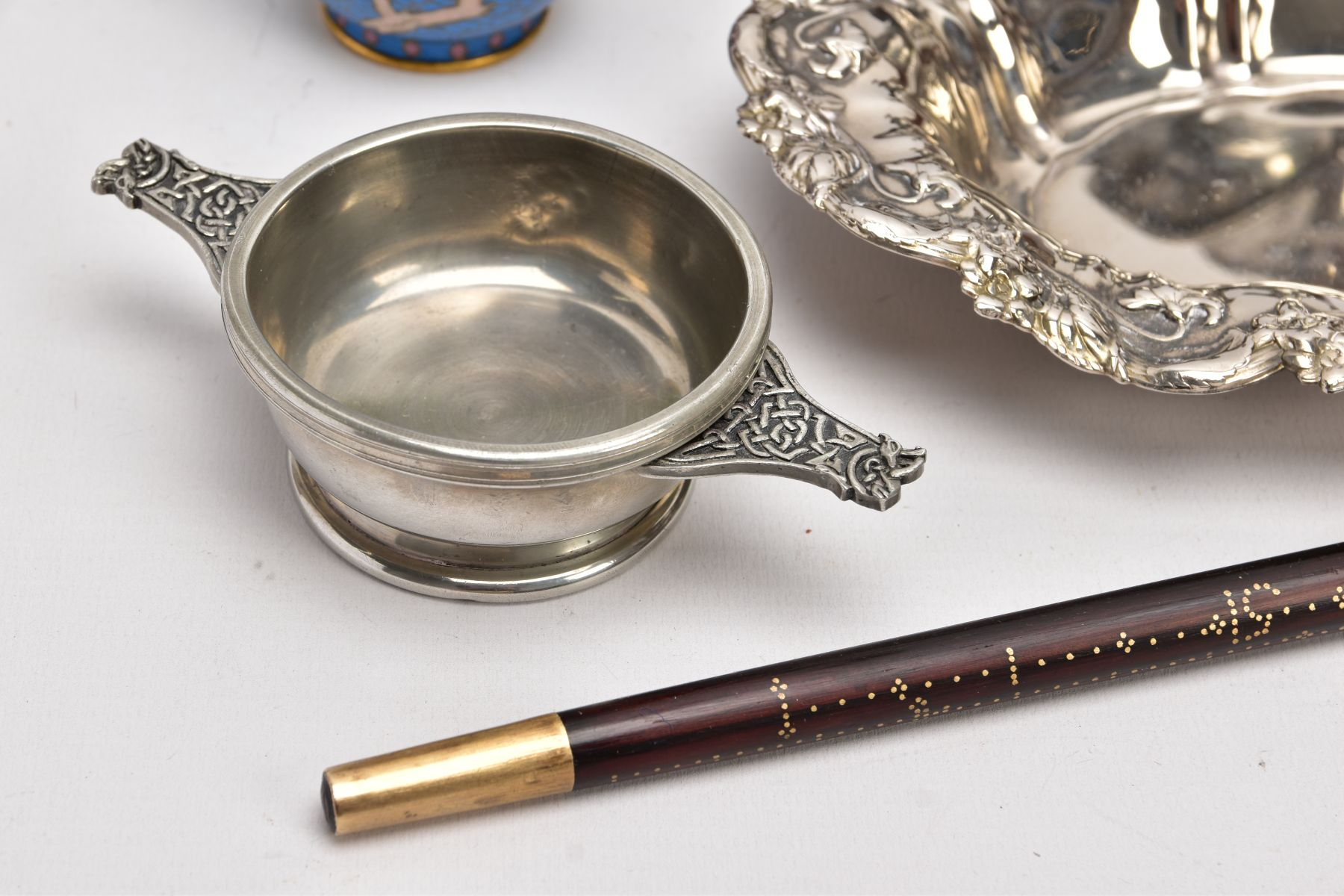 A BOX OF SILVER PLATE, COLLECTABLES AND OTHER METALWARES, including a small Indian white metal - Image 5 of 17