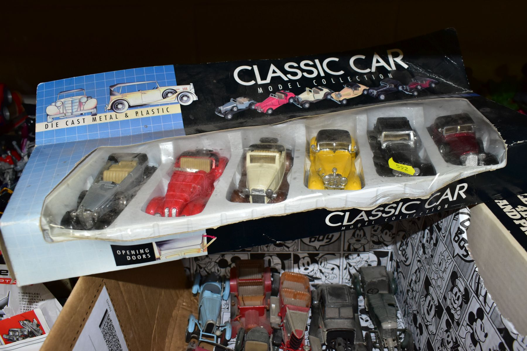 FOUR BOXED UNBUILT PLASTIC CONSTRUCTION KITS, to include Heller 1/24 scale Talbot-Lago 4L5 Grand - Image 4 of 4