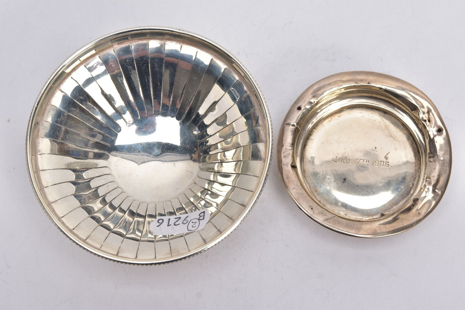 A SILVER BONBON DISH AND A SILVER DISH, the bonbon of a circular form, tapered engraved design, - Image 2 of 5
