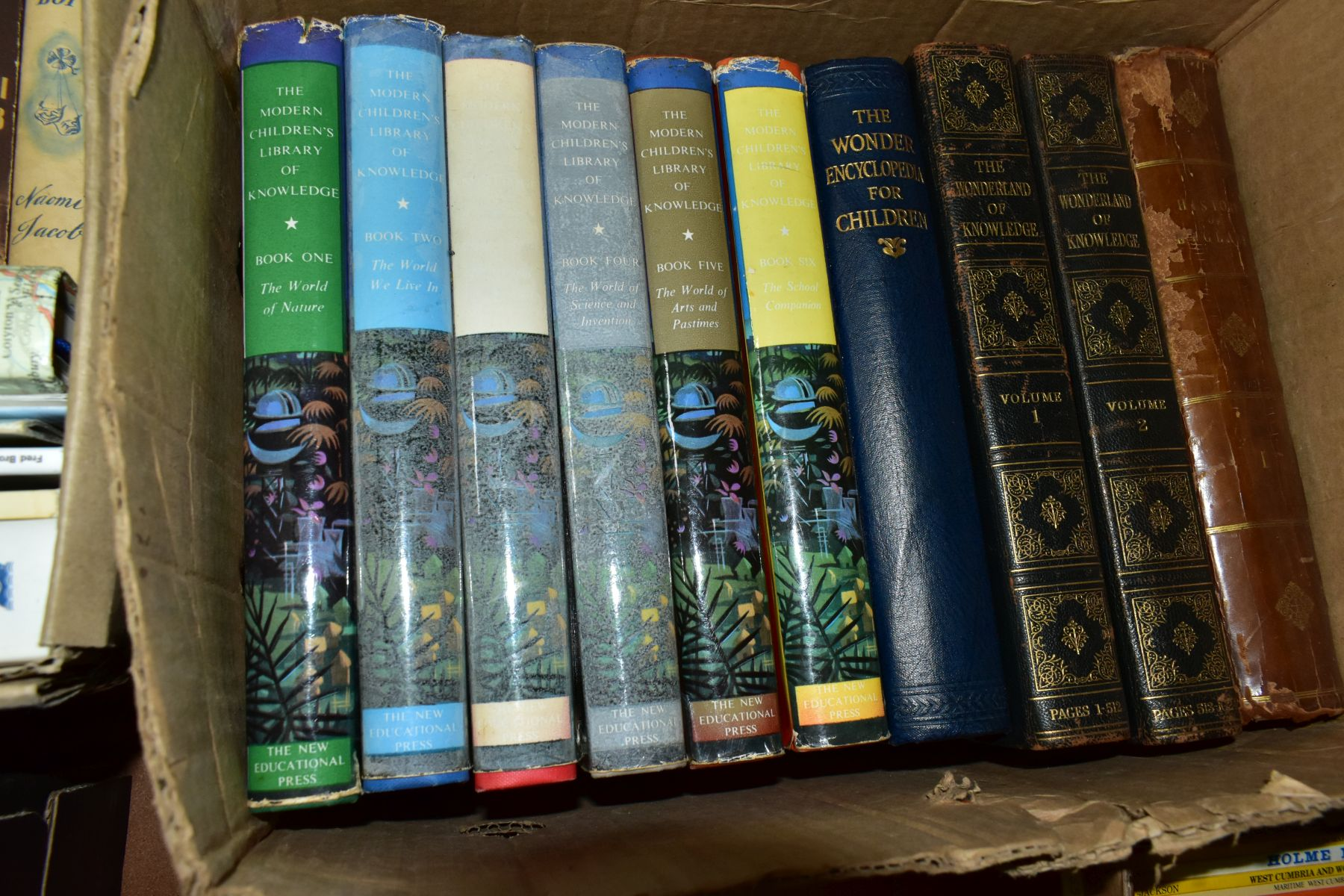 BOOKS, six boxes of over one hundred and twenty five miscellaneous titles to include Royal - Image 9 of 9