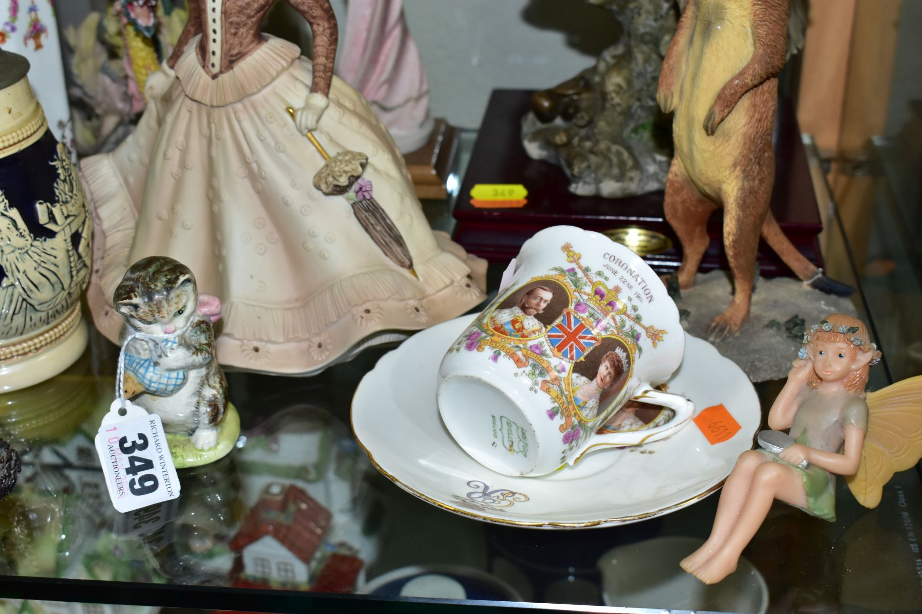 A SMALL GROUP OF FIGURAL ORNAMENTS AND OTHER CERAMICS, including a Beswick Beatrix Potter's 'Miss - Image 4 of 8