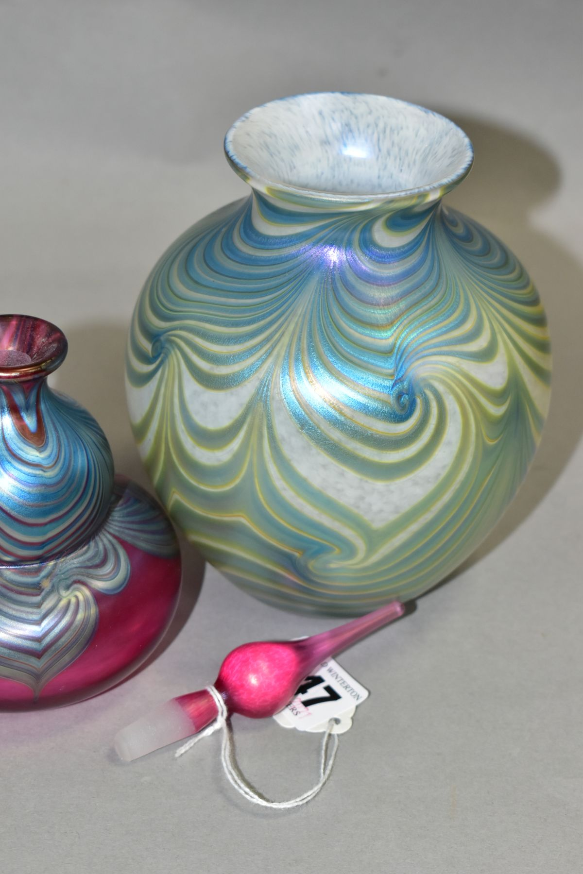 TWO PIECES OF OKRA IRIDESCENT GLASS, comprising of a perfume bottle marked Okra 93 to base, height - Image 4 of 6