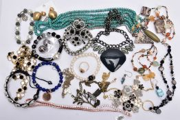 A BAG OF ASSORTED COSTUME JEWELLERY, to include a rose gold tone necklet set with cubic zirconia