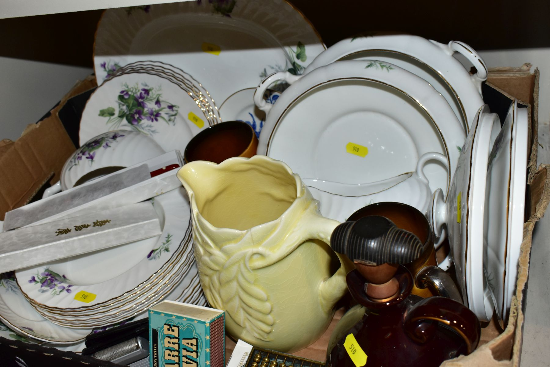 TWO BOXES OF CERAMICS AND SUNDRY ITEMS, ETC, to include Mayfair bone china part dinner service, - Image 10 of 10