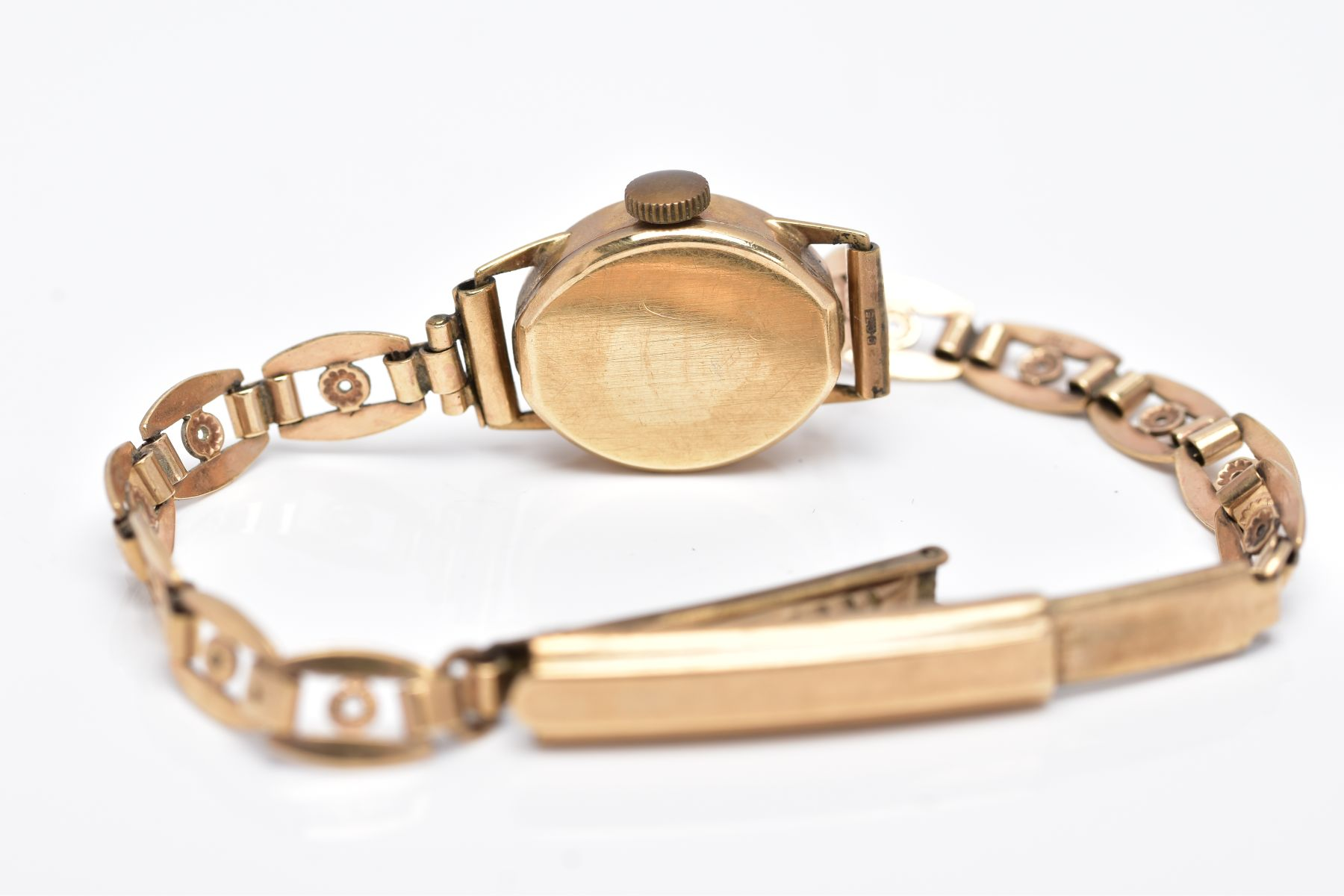 A LADY'S 9CT GOLD ROTARY WRISTWATCH', oval case measuring approximately 16.5mm x 14.0mm, - Image 4 of 5