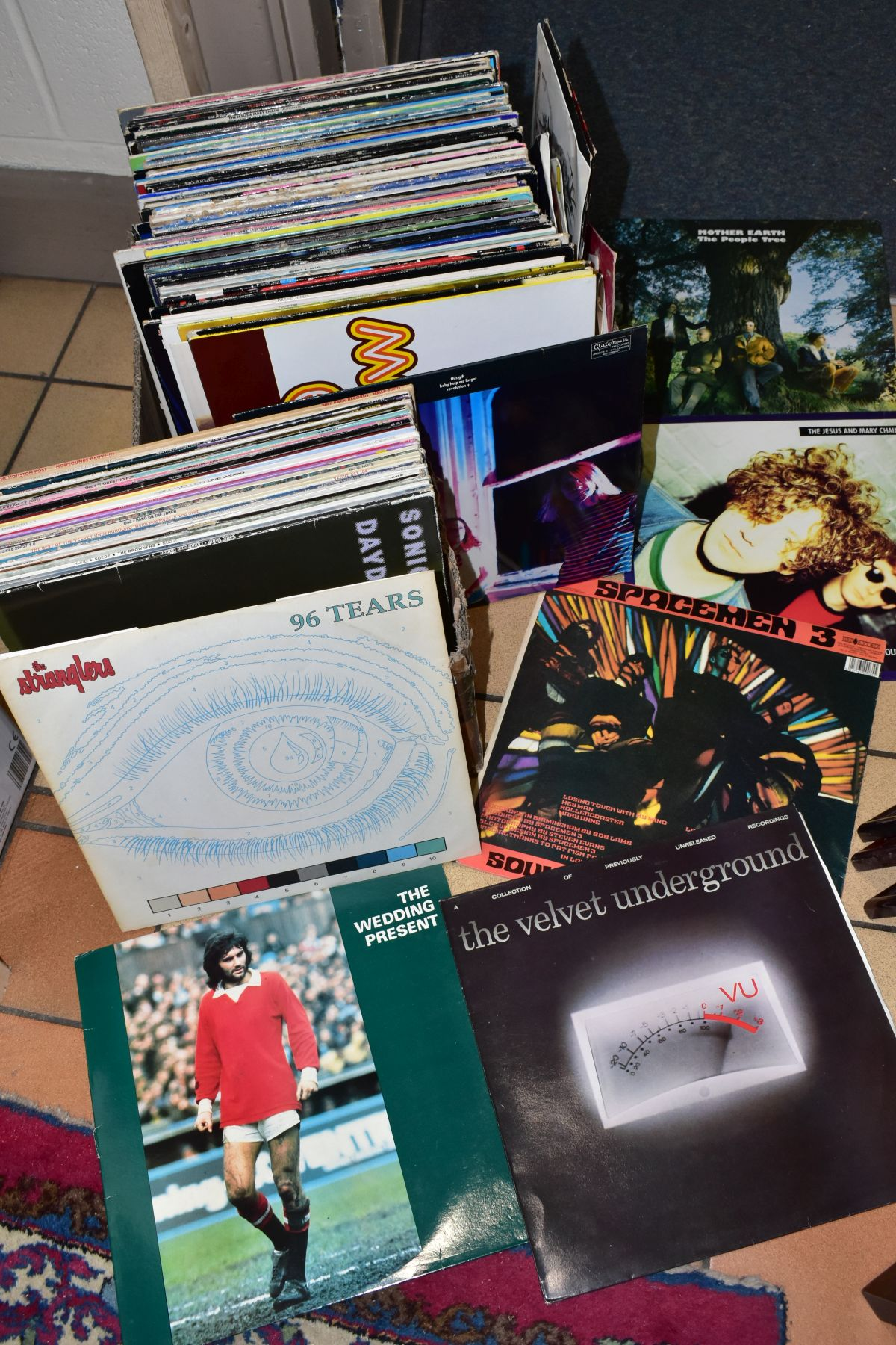 TWO TRAYS CONTAINING OVER ONE HUNDRED AND FIFTY LPs, 7IN AND 12in SINGLES MOSTLY FROM THE INDIE