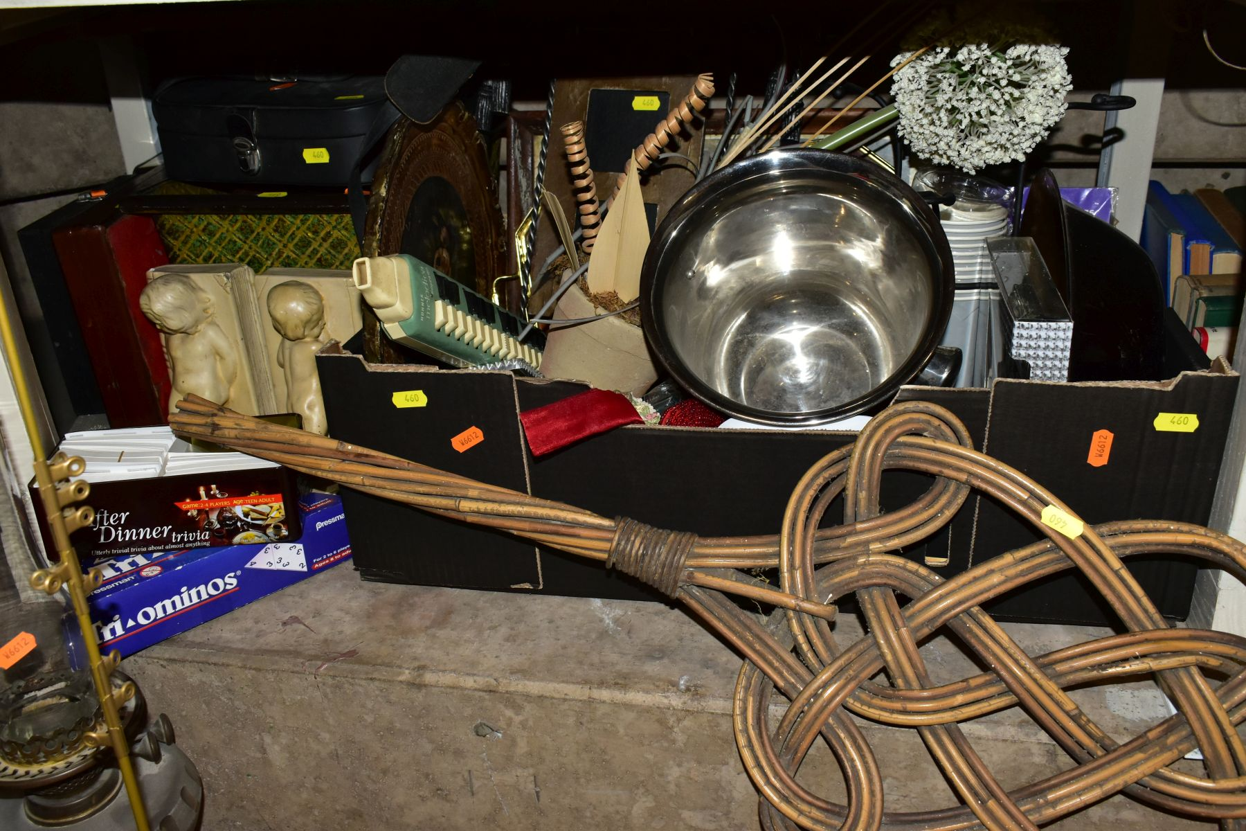 FOUR BOXES AND LOOSE METALWARE, HOUSEHOLD SUNDRIES, OIL LAMP, etc, to include board games, book - Image 3 of 16