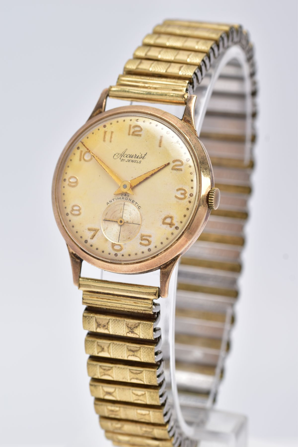 A GENTS 9CT GOLD 'ACCURIST' WRISTWATCH, hand wound movement, discoloured silver dial signed ' - Image 3 of 6