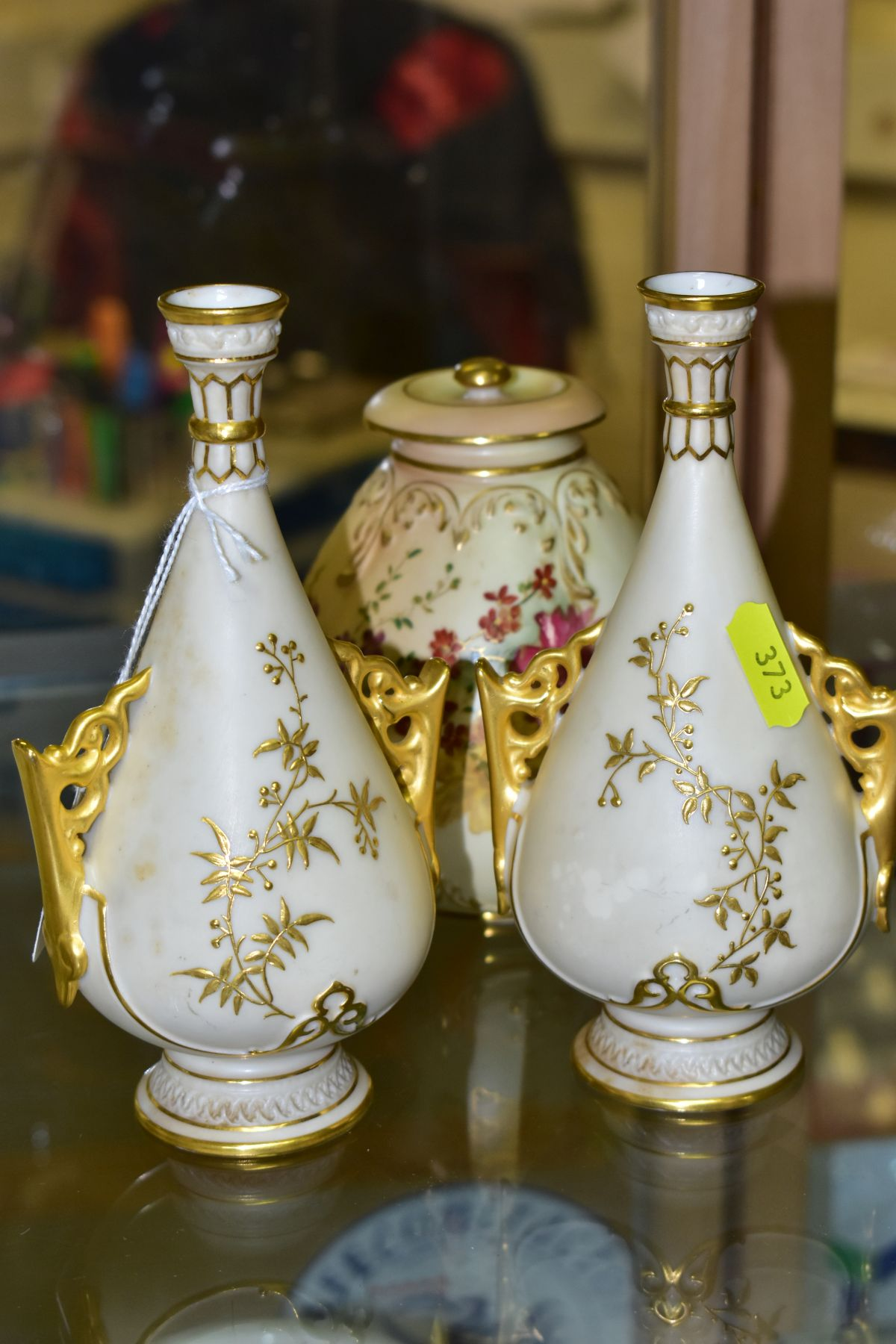 A SMALL COLLECTION OF ROYAL WORCESTER PORCELAIN, comprising a pair of blush ivory conical twin - Image 3 of 9