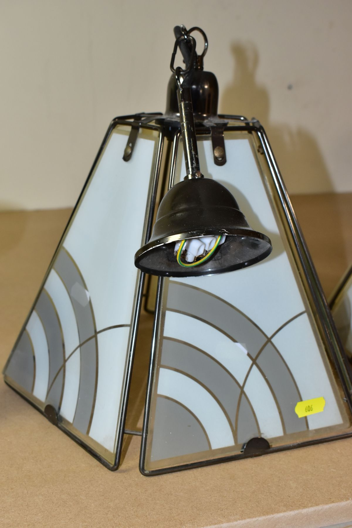 CEILING LIGHTS AND TABLE LAMP comprising a pair of pyramid shaped lamps with glass panels, - Image 2 of 6