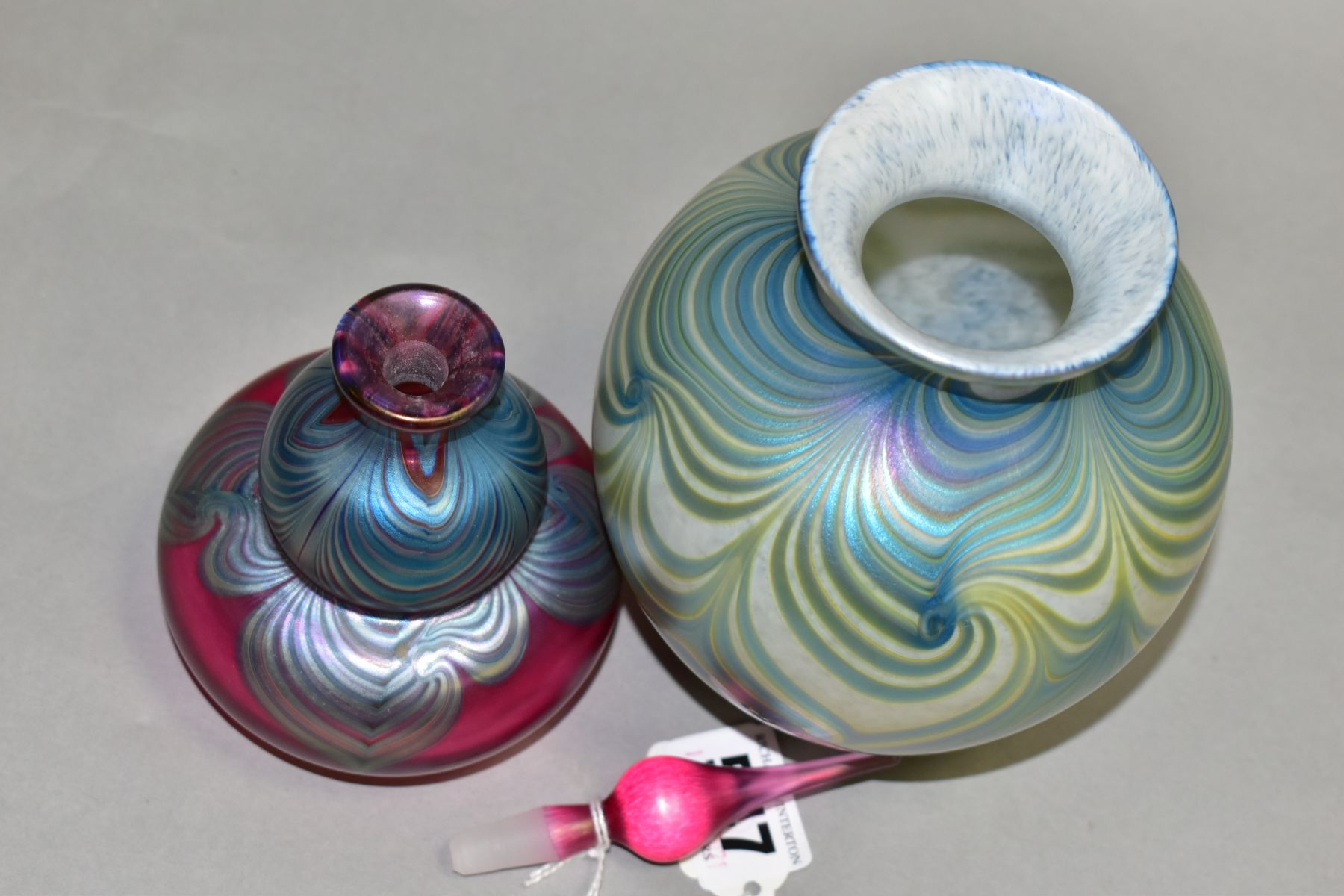 TWO PIECES OF OKRA IRIDESCENT GLASS, comprising of a perfume bottle marked Okra 93 to base, height - Image 5 of 6