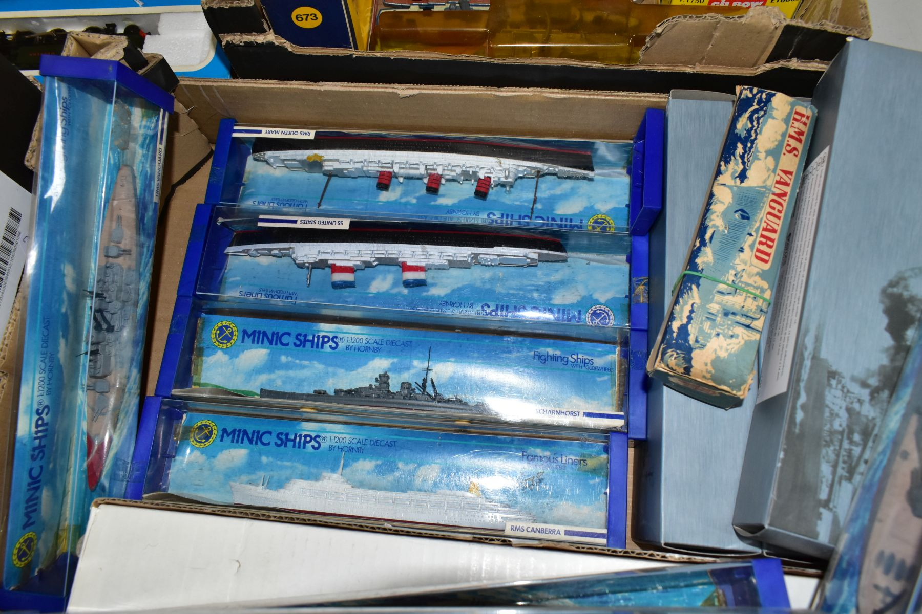 A COLLECTION OF BOXED AND UNBOXED SHIP MODELS, to include Dinky Toys Submarine Chaser, No.673, - Image 5 of 6