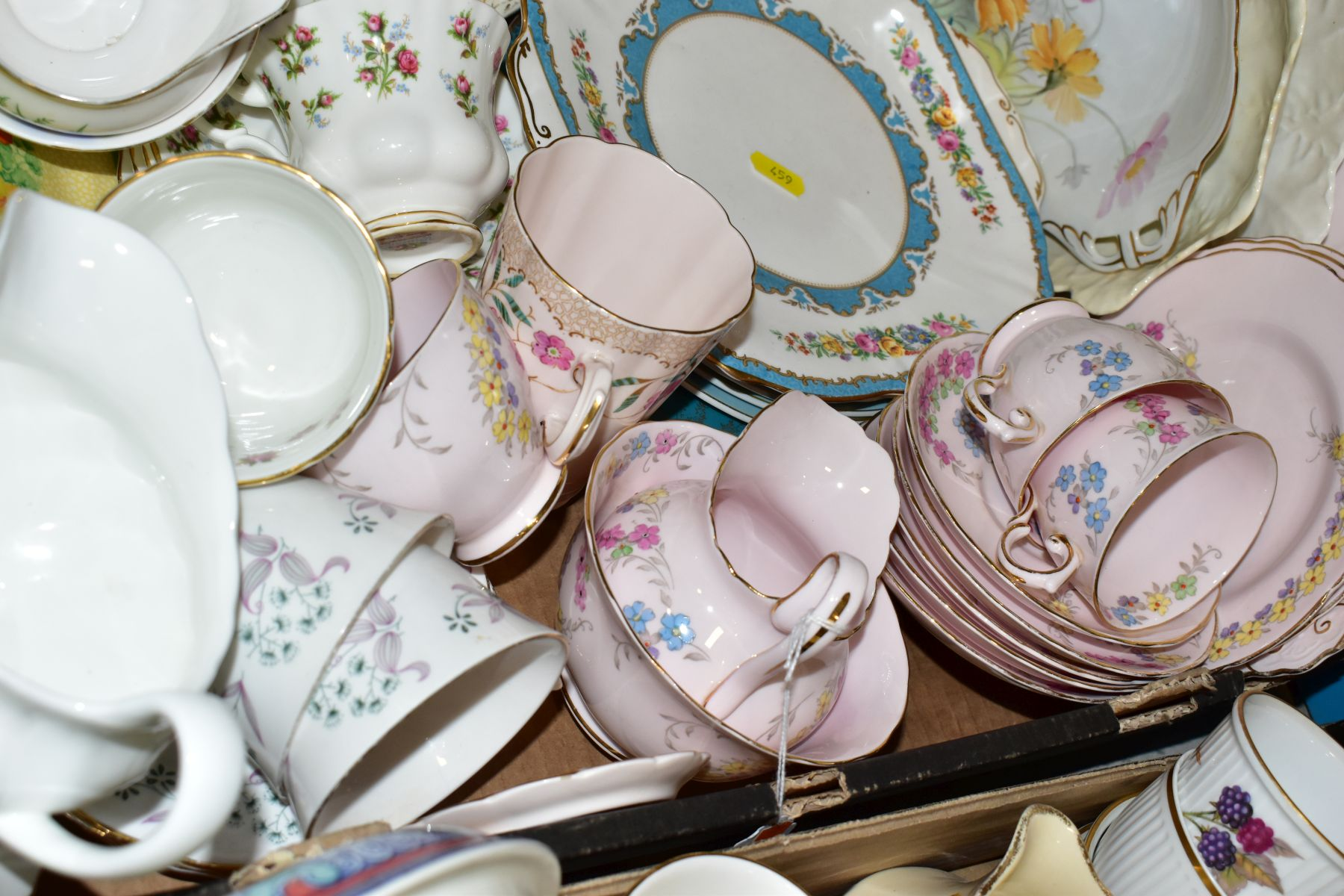 TWO BOXES OF WEDGWOOD ROYAL WORCESTER, ROYAL ALBERT AND TUSCAN CHINA TEA AND DINNER WARES, including - Image 6 of 10