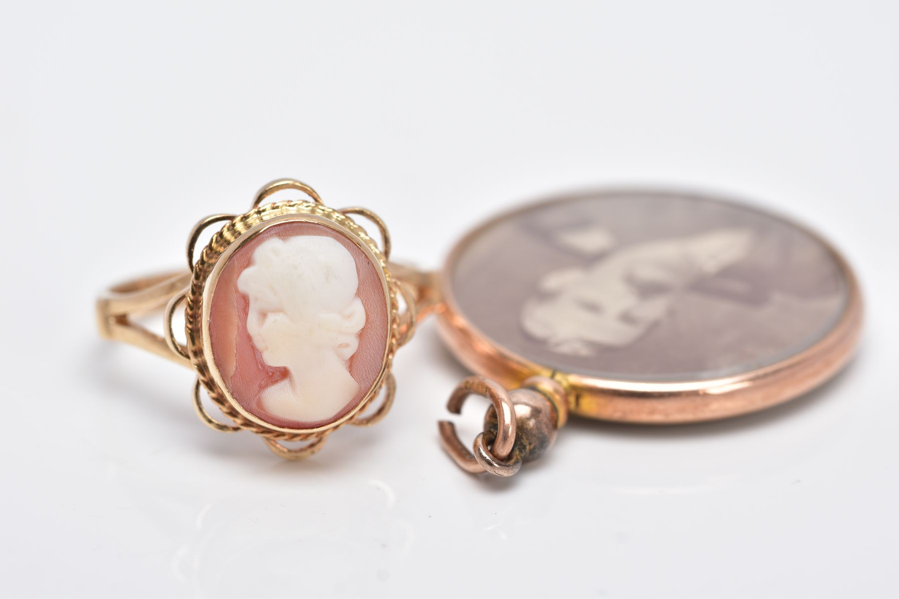 A 9CT GOLD CAMEO RING AND A DOUBLE SIDED PHOTOGRAPH, of an oval form, depicting a lady in profile, - Image 4 of 4