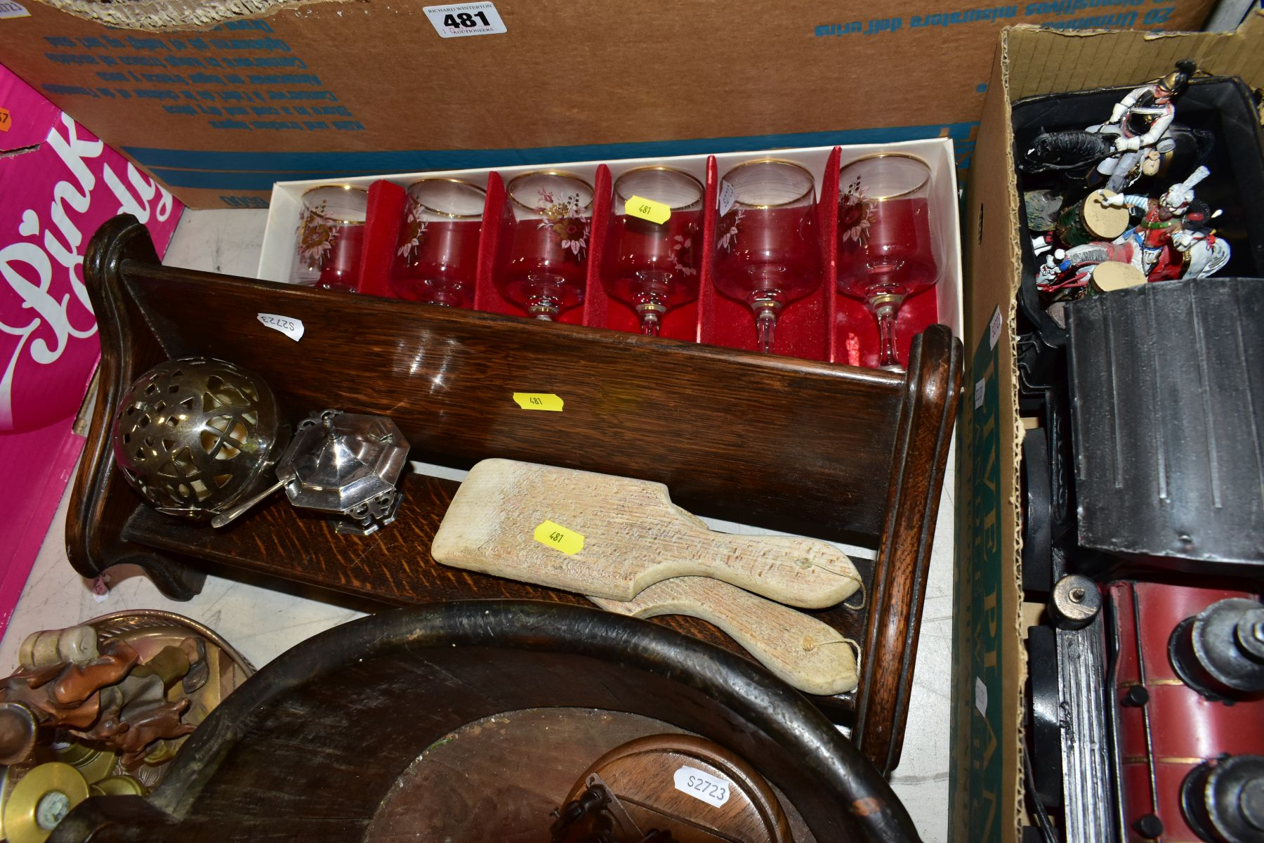 TWO BOXES OF CERAMICS AND SUNDRY ITEMS etc to include three Carlton Ware 2710 tapestry and daisy - Image 13 of 18