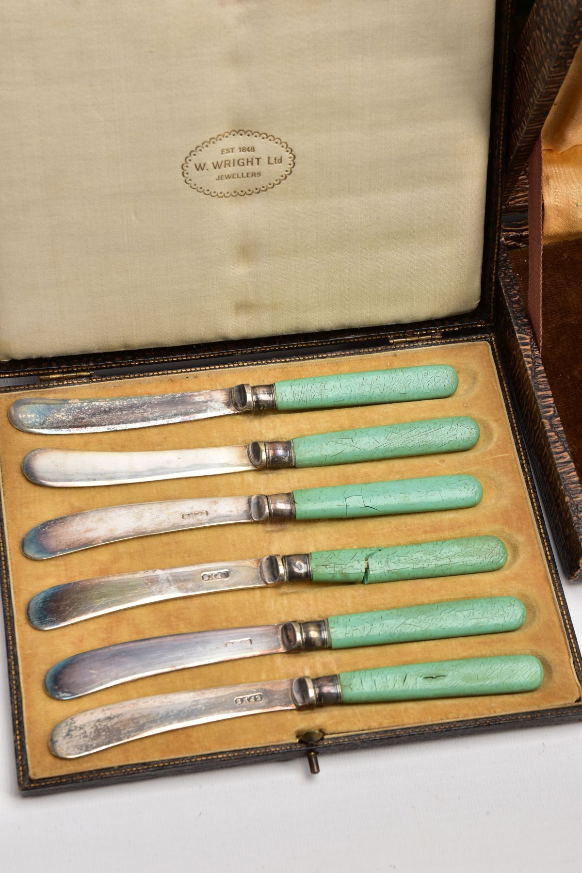 A BOX OF ASSORTED METALWARE, to include three cased set of knives,, a cased set of six EPNS coffee - Image 5 of 7