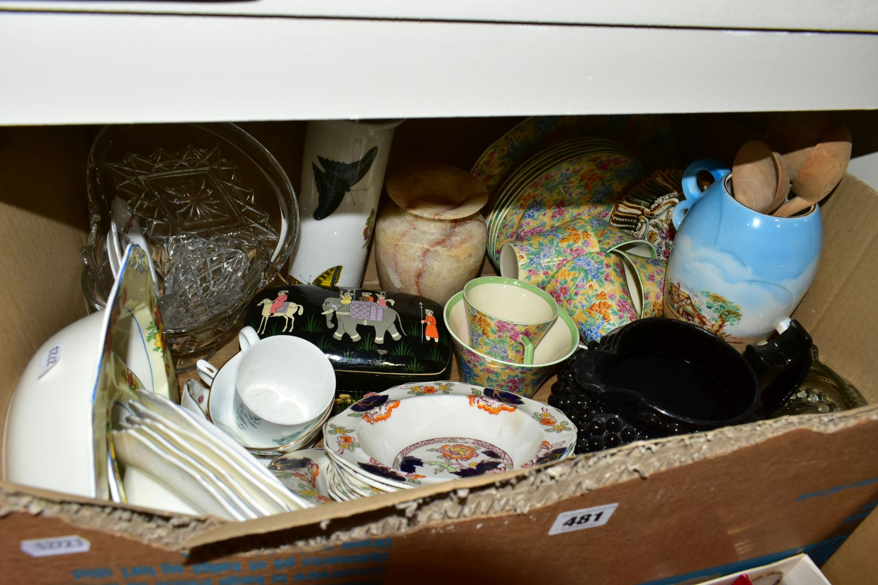 TWO BOXES OF CERAMICS AND SUNDRY ITEMS etc to include three Carlton Ware 2710 tapestry and daisy - Image 16 of 18