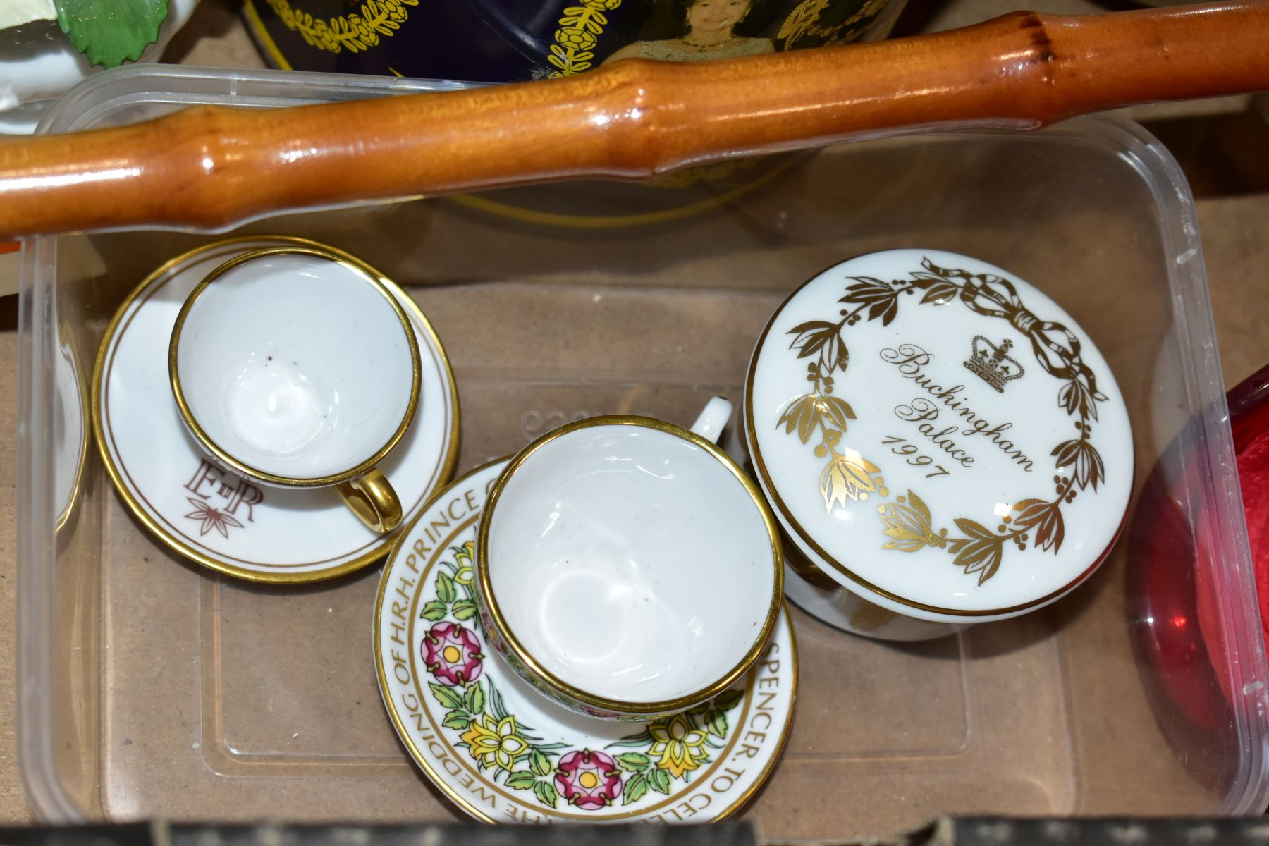 TWO BOXES OF CERAMICS AND SUNDRY ITEMS, ETC, to include Mayfair bone china part dinner service, - Image 4 of 10
