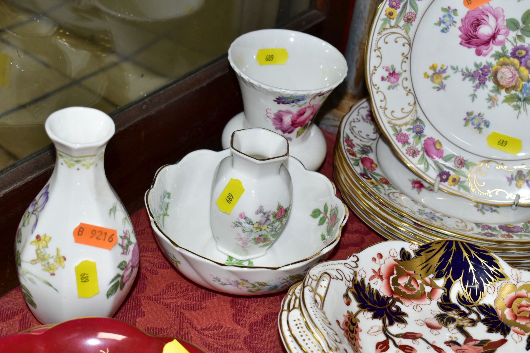 DECORATIVE CERAMICS, ETC, to include Royal Crown Derby 'Derby Posies' pintrays trinket box, - Image 7 of 13