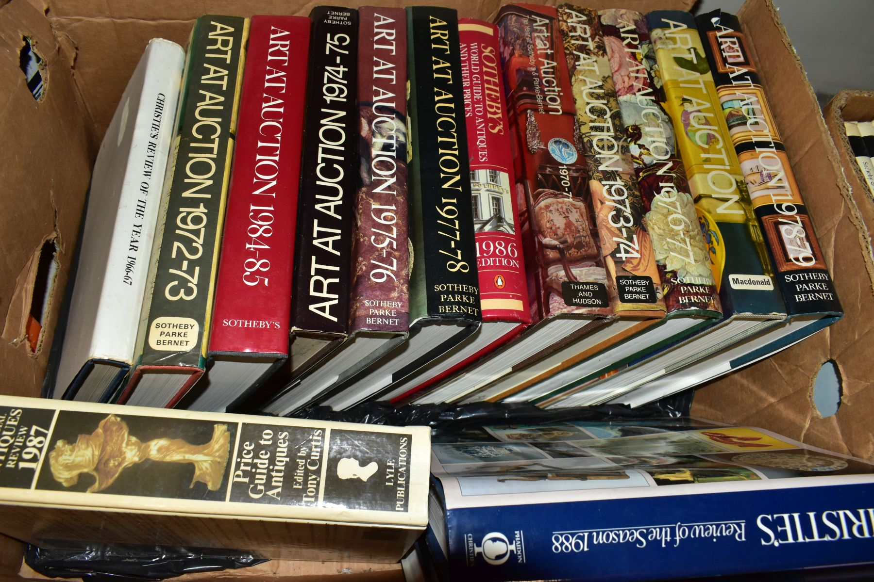 FOUR BOXES OF AUCTION REVIEW BOOKS to include Christies, The Connoiseur Year Book, Sotherbys Art - Image 5 of 6