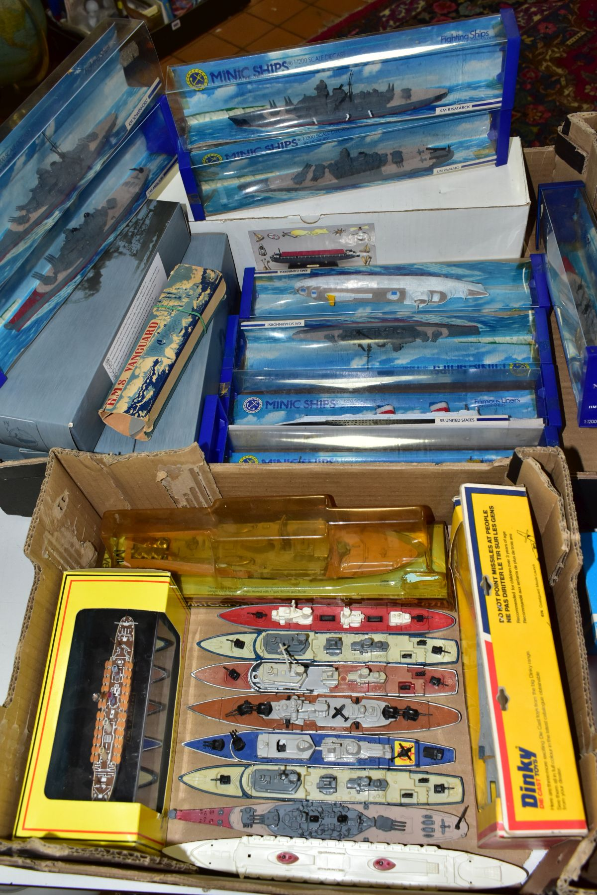 A COLLECTION OF BOXED AND UNBOXED SHIP MODELS, to include Dinky Toys Submarine Chaser, No.673,