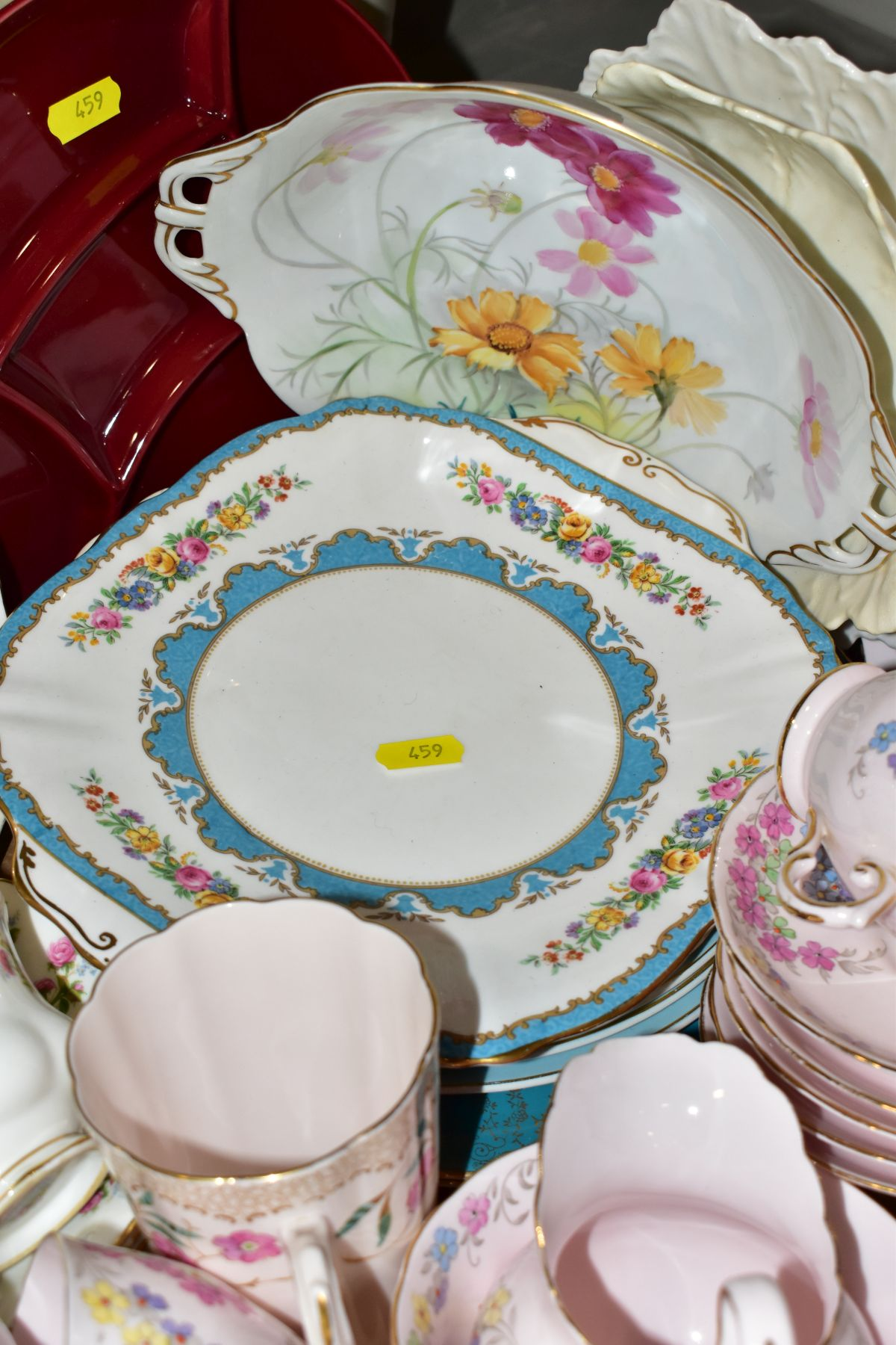 TWO BOXES OF WEDGWOOD ROYAL WORCESTER, ROYAL ALBERT AND TUSCAN CHINA TEA AND DINNER WARES, including - Image 8 of 10
