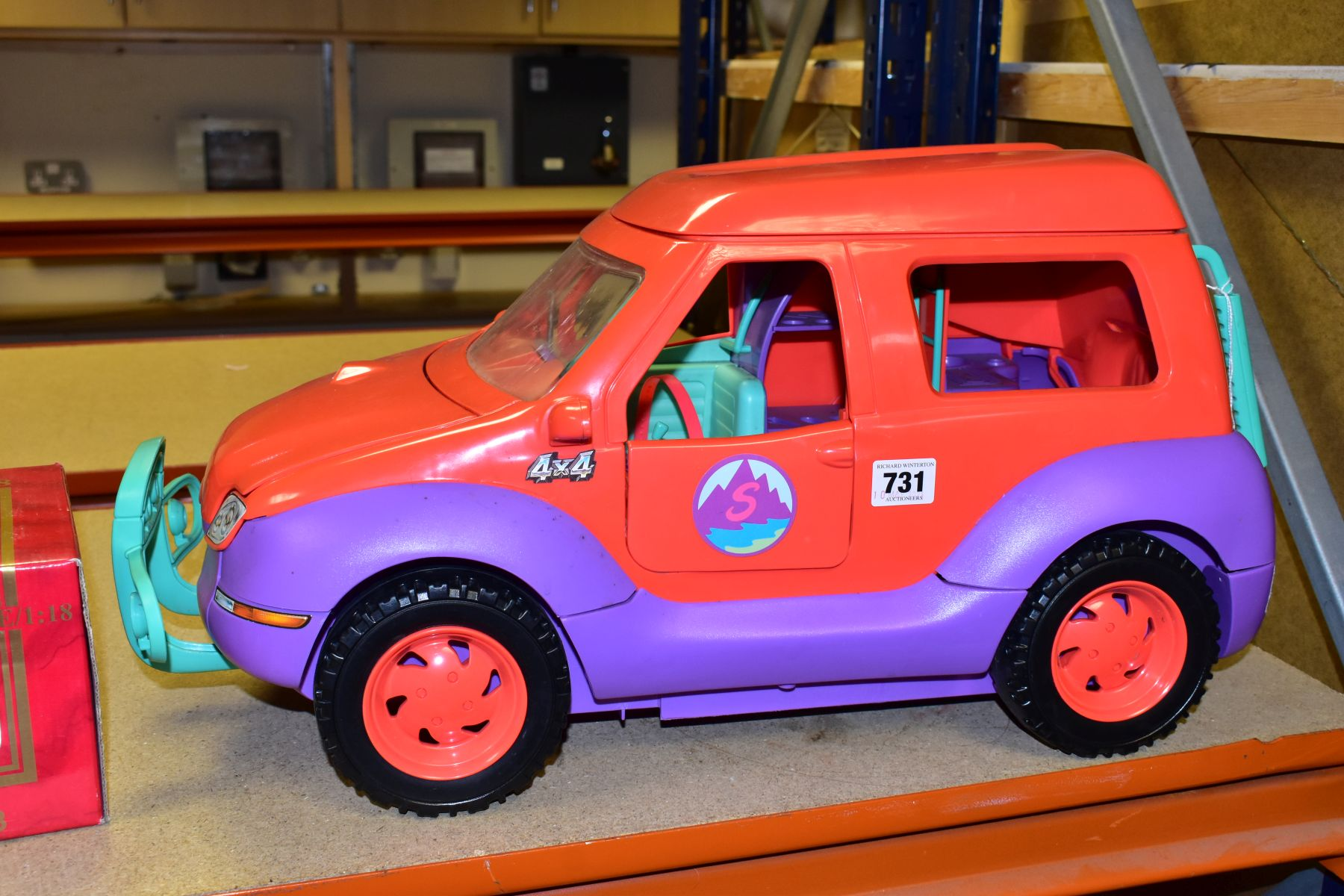 AN UNBOXED SINDY - SPACE 4X4 CAMPER VAN/HOLIDAY HOME, missing some accessories but otherwise appears