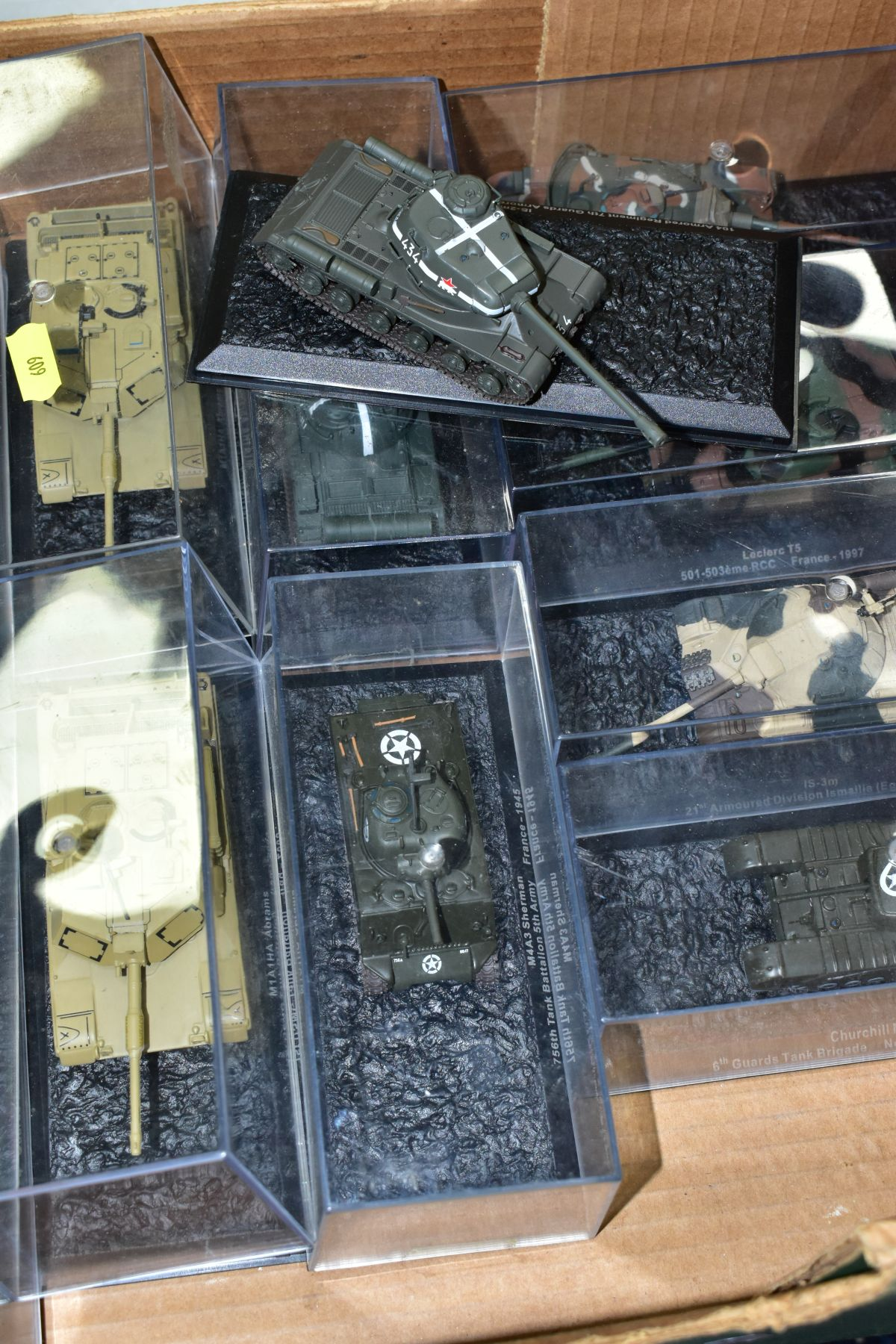A COLLECTION OF BOXED DEAGOSTINI 1/43 SCALE TANK MODELS, all appear complete and in very good - Image 2 of 5