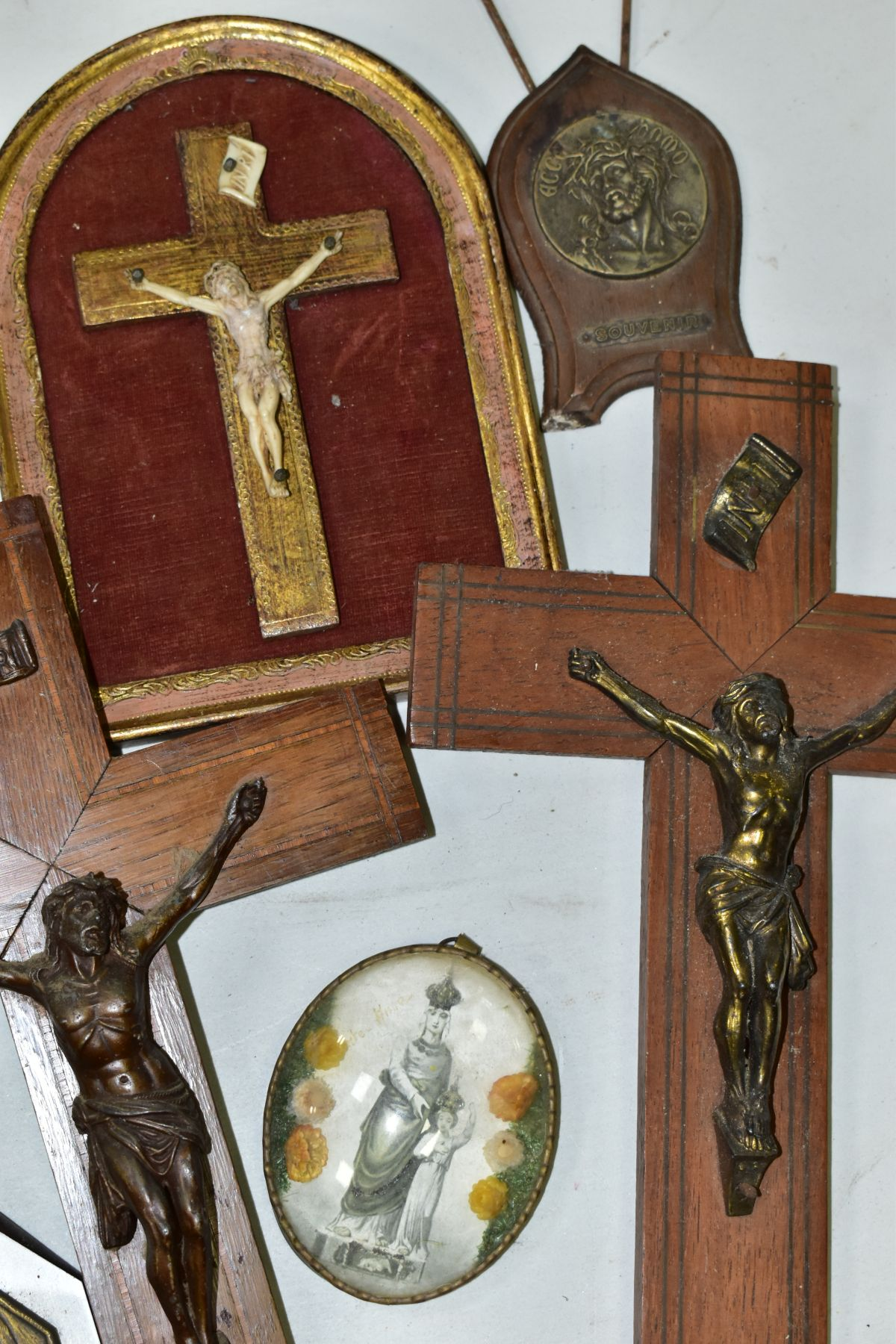 A BOX OF VARIOUS CRUCIFIXES, some metal, mostly resin, mostly wall hangings, tallest height 36cm, - Image 2 of 5
