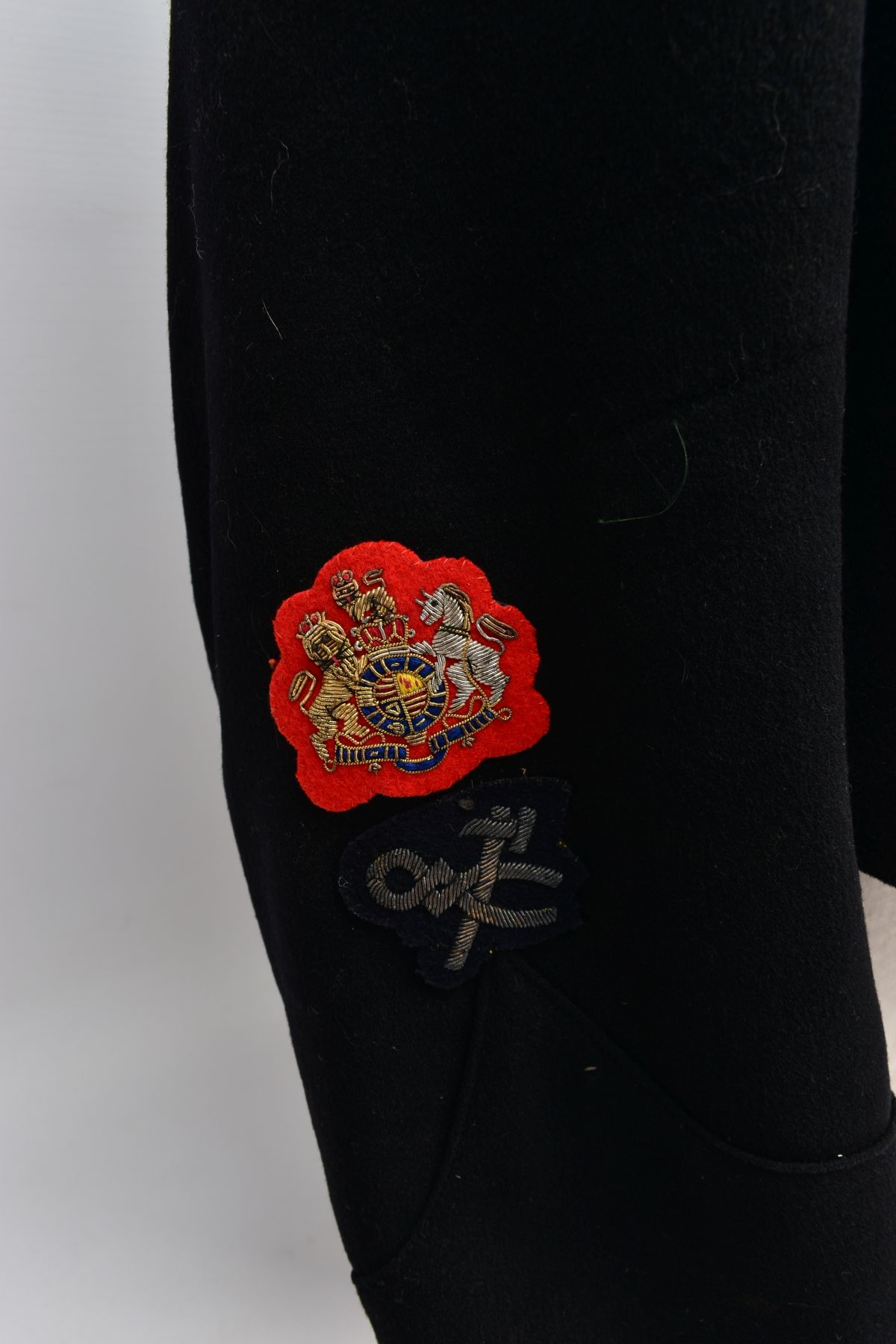 AN OFFICERS MESS DRESS EVENING WEAR SUIT, three piece jacket, waistcoat and trousers, black with red - Image 6 of 6