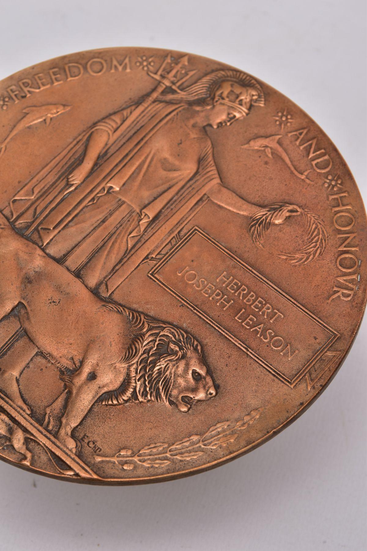 A WWI MEMORIAL DEATH PLAQUE, named Herbert Joseph Leason, Herbert was the son of Arthur & Eliza - Image 3 of 3