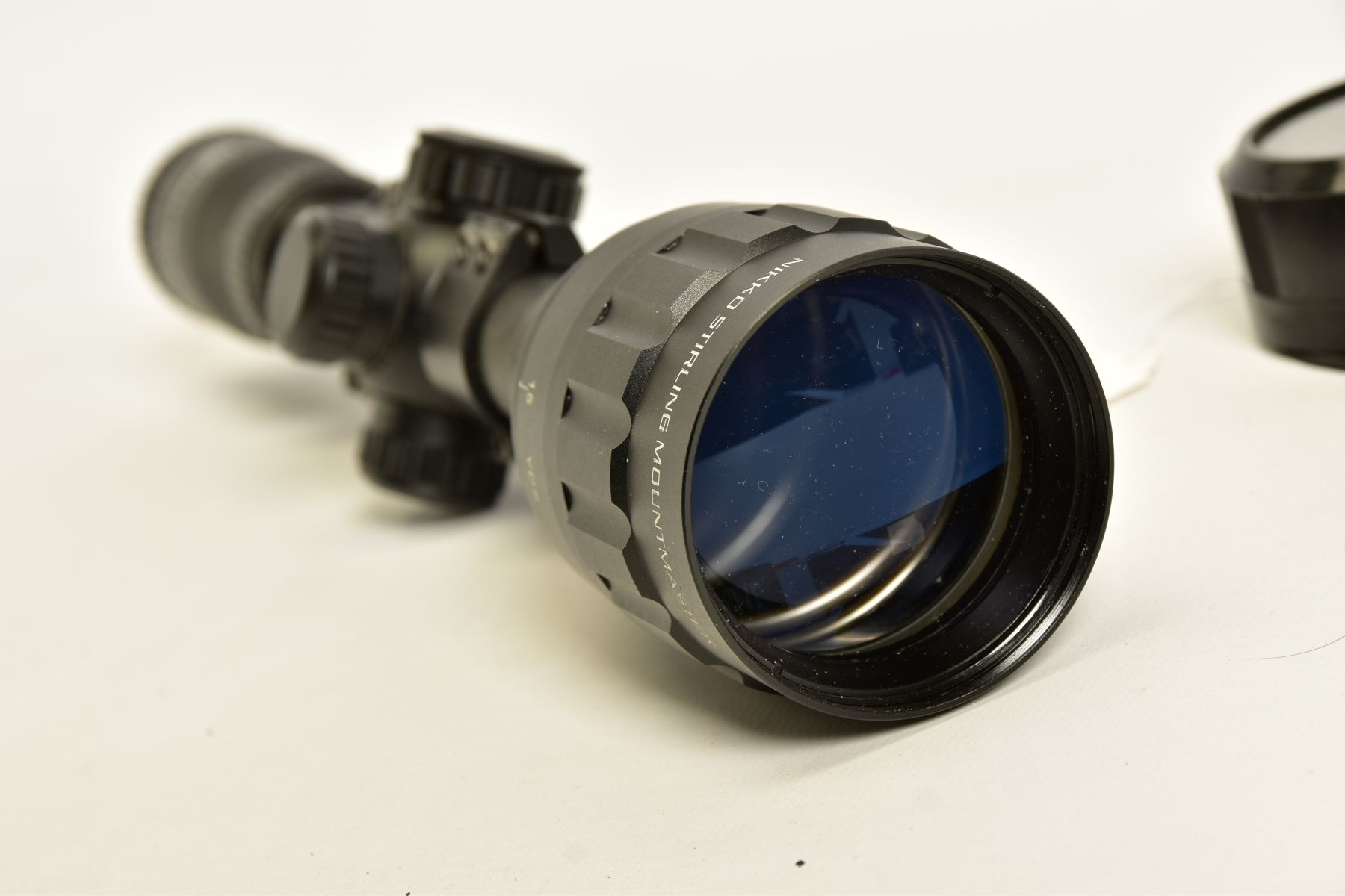 A NIKO STIRLING 3.9 X 50 RIFLE SCOPE and mounts, it appears to be in unused condition - Image 5 of 8