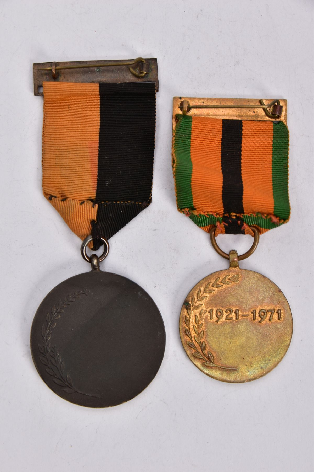 'IRISH WAR OF INDEPENDANCE MEDALS' both with wearing bar clasps, but believed to be later produced - Image 3 of 4