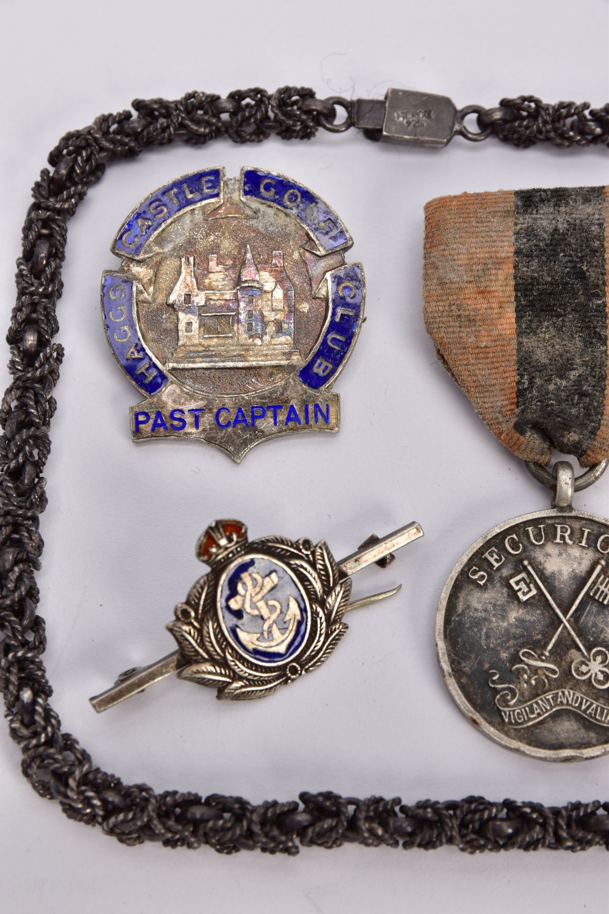 A STAMPED MEXICO 925 NECK CHAIN, tarnished, Haggs Castle Gold Club past captain badge (hallmarked) - Image 2 of 4