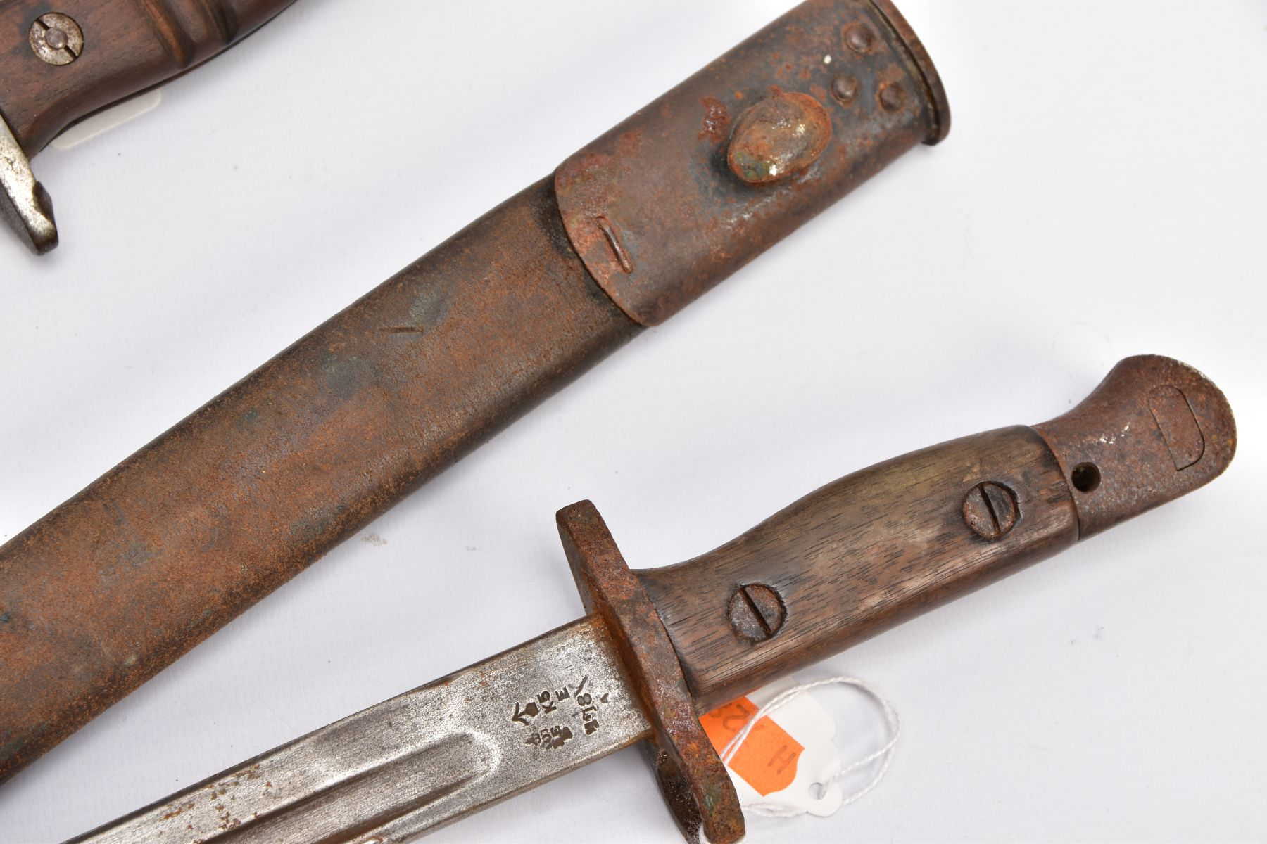 THREE WWI ERA US ISSUE RIFLE BAYONETS, all by Remington, all with proof marks, makers stamps, two - Image 4 of 10