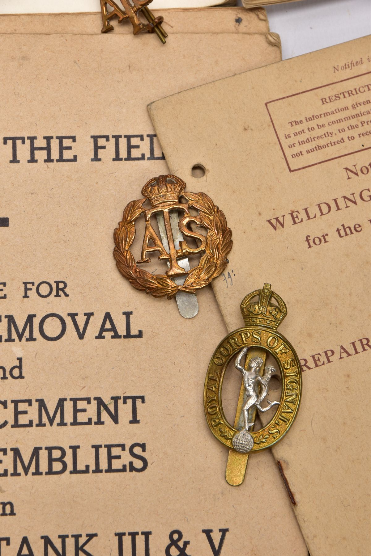 A BOX CONTAINING A NUMBER OF OFFICIAL WWII ERA BOOKLETS FOR ARMY ENGINEERS in relation to field - Image 3 of 5