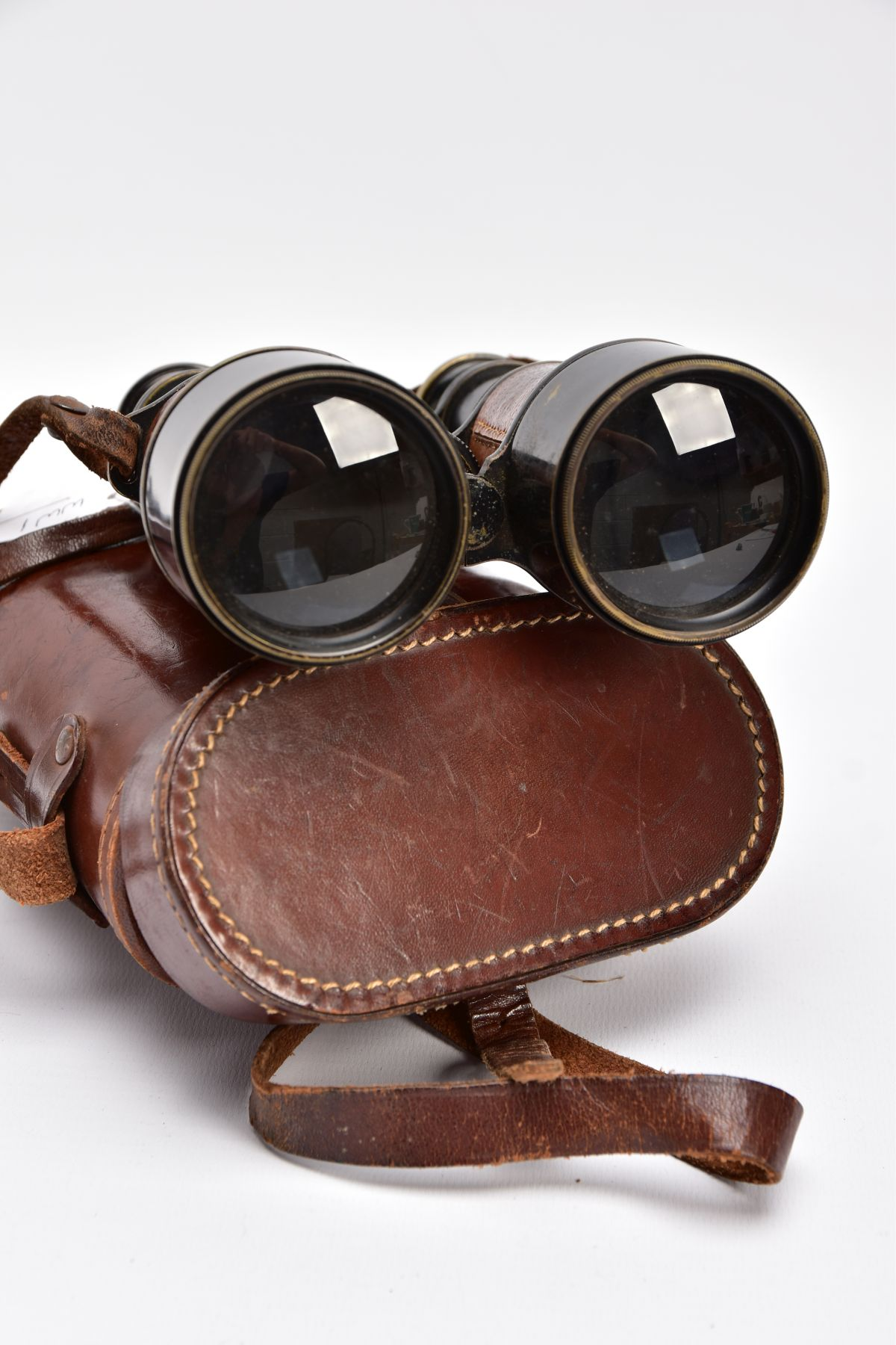 A BOXED PAIR OF FRENCH MADE MG (MINISTERE LA GUERE) WWI BINOCULARS, which are marked Mk V SPL & - Image 7 of 7