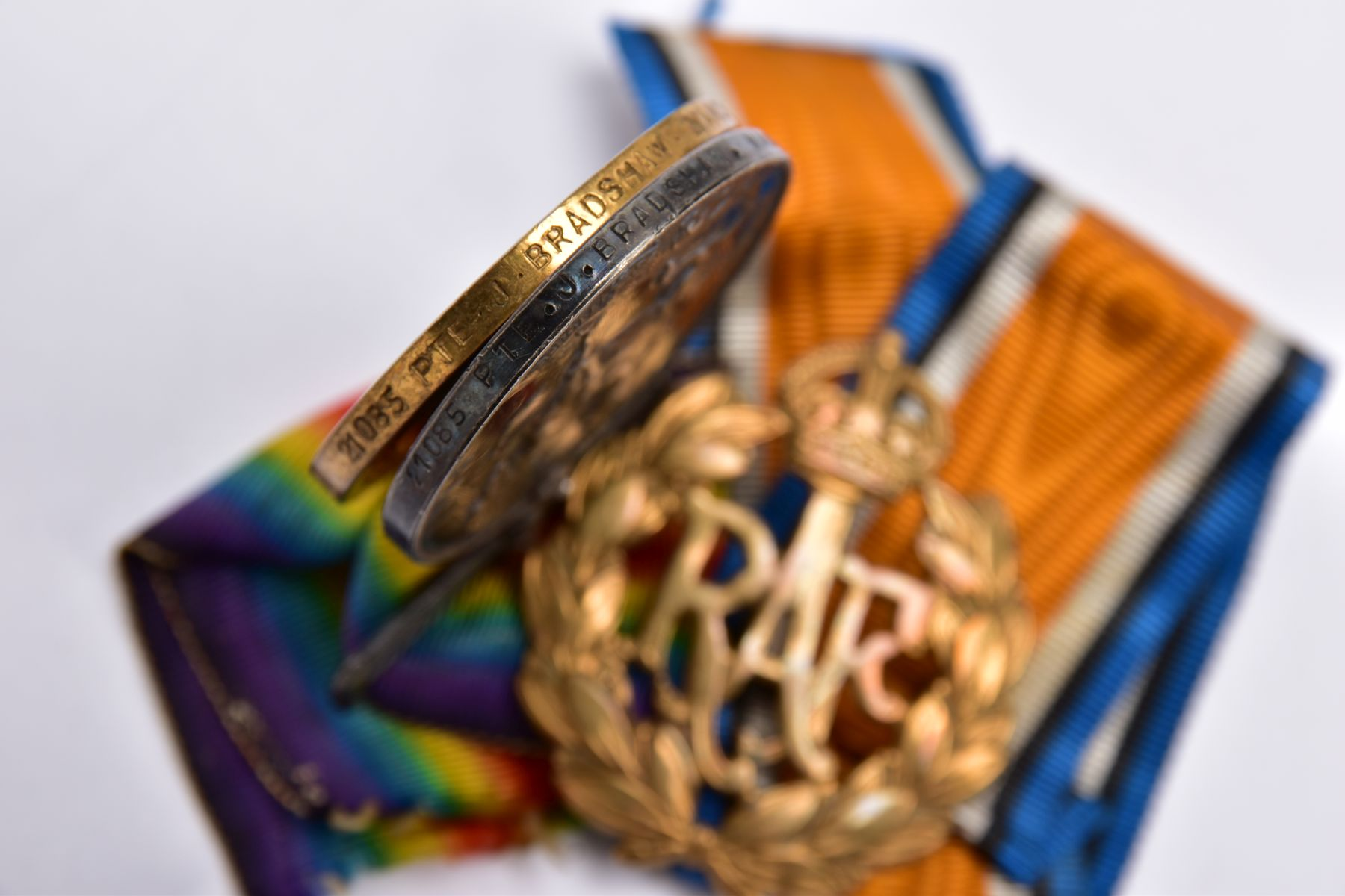 A BRITISH WAR AND VICTORY MEDAL PAIR, named to 21085 Pte J.Bradshaw, Manchester Regiment, together - Image 3 of 3